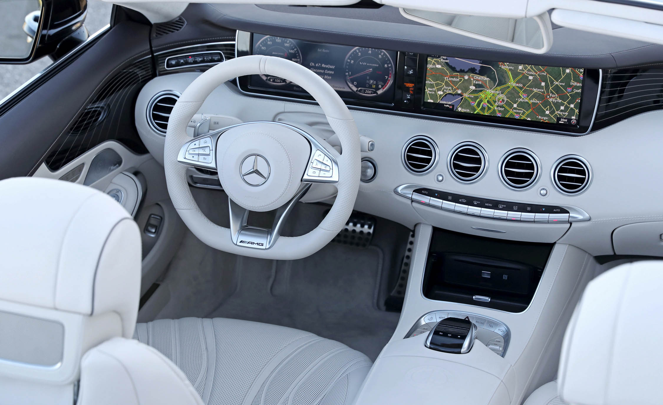 2017 Mercedes Amg S63 Cabriolet Interior View Cockpit And Dash (Photo 22 of 38)