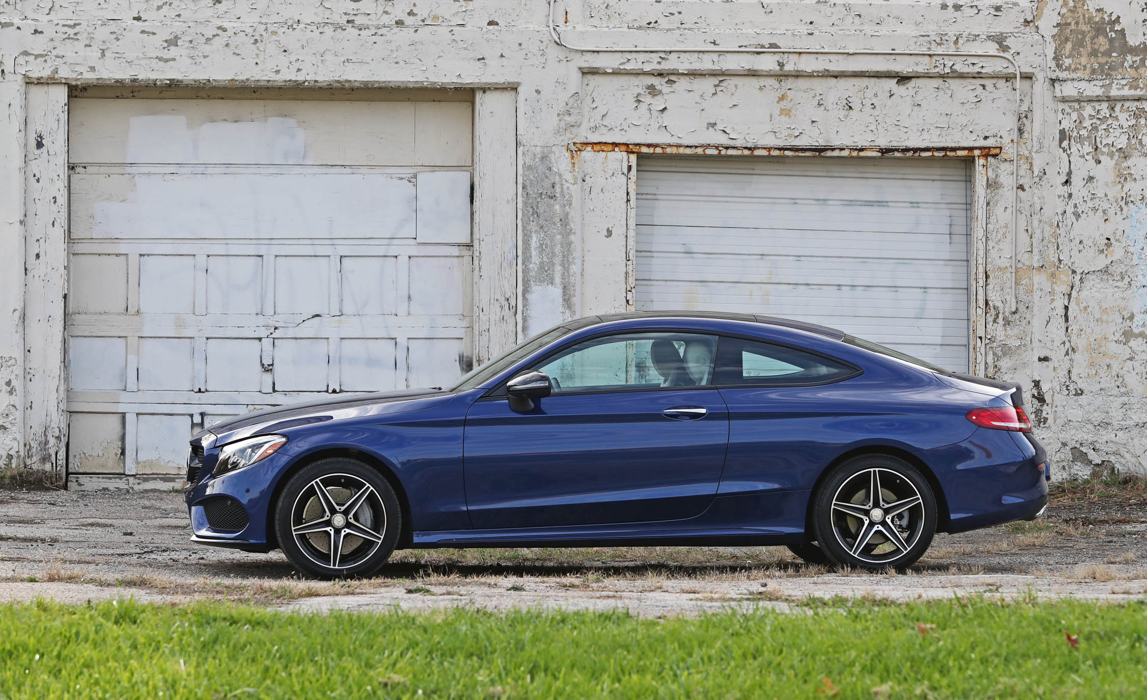 2017 Mercedes Benz C300 4MATIC Coupe Exterior Side (Photo 12 of 44)