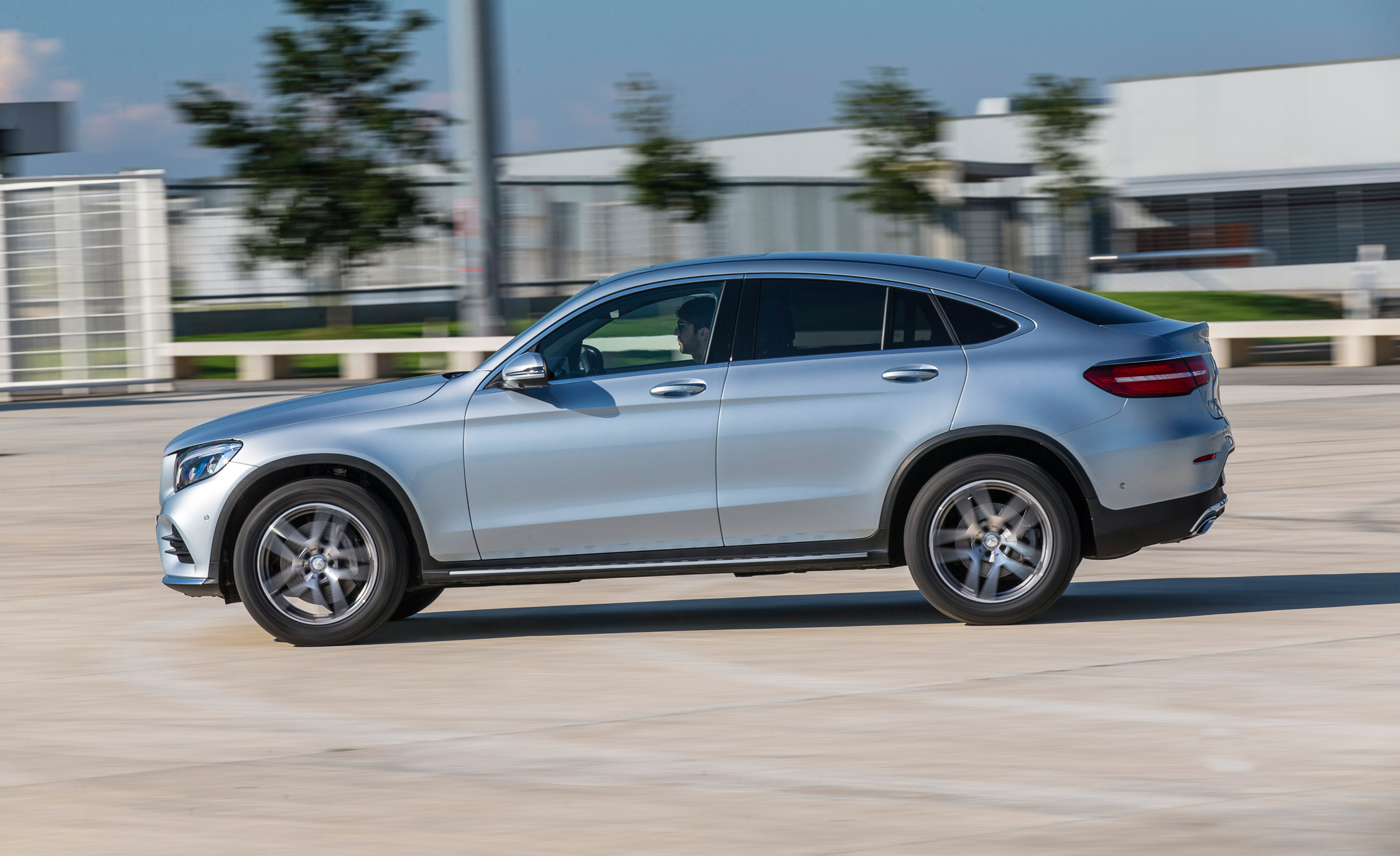 2017 Mercedes Benz GLC300 4MATIC Coupe (Photo 2 of 19)