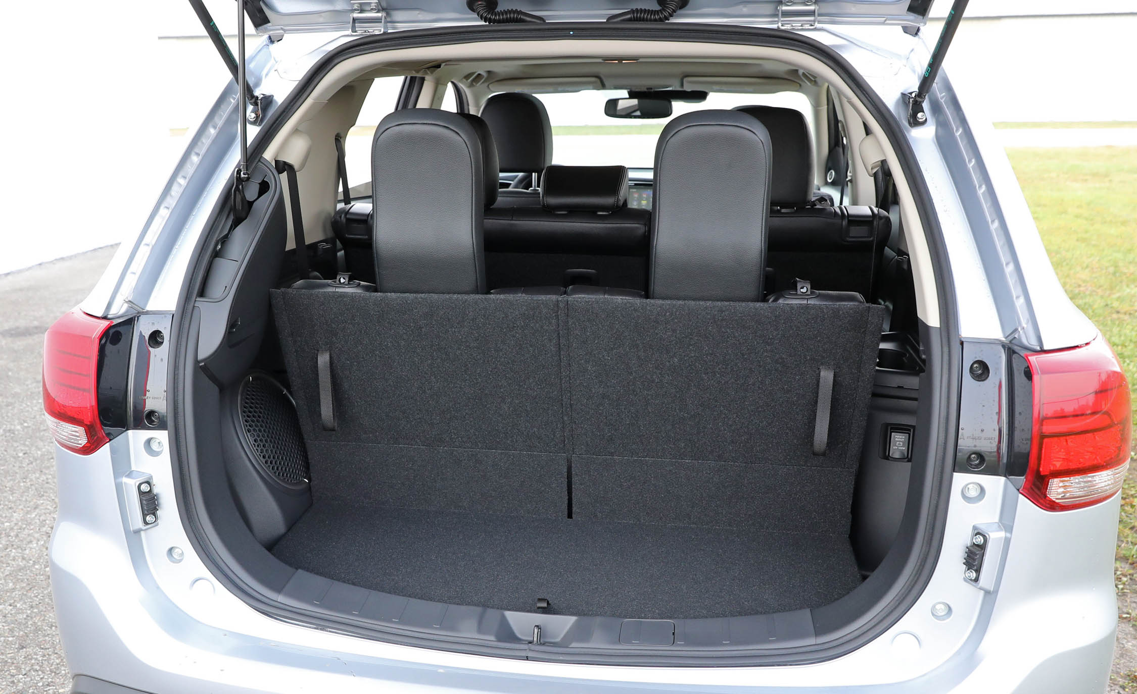 2017 Mitsubishi Outlander Gt Interior View Cargo Trunk (View 21 of 34)