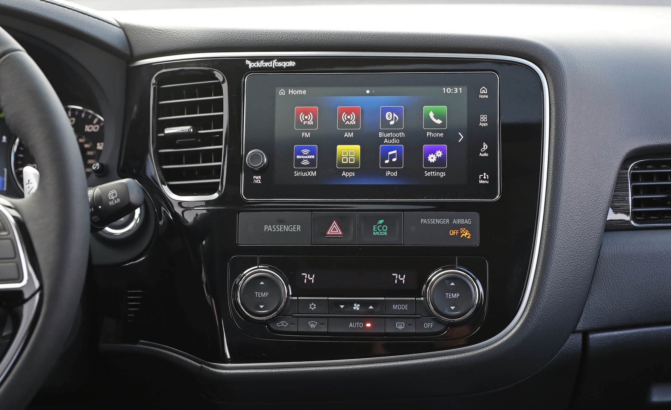 2017 Mitsubishi Outlander Gt Interior View Headunit And Multimedia (View 22 of 34)