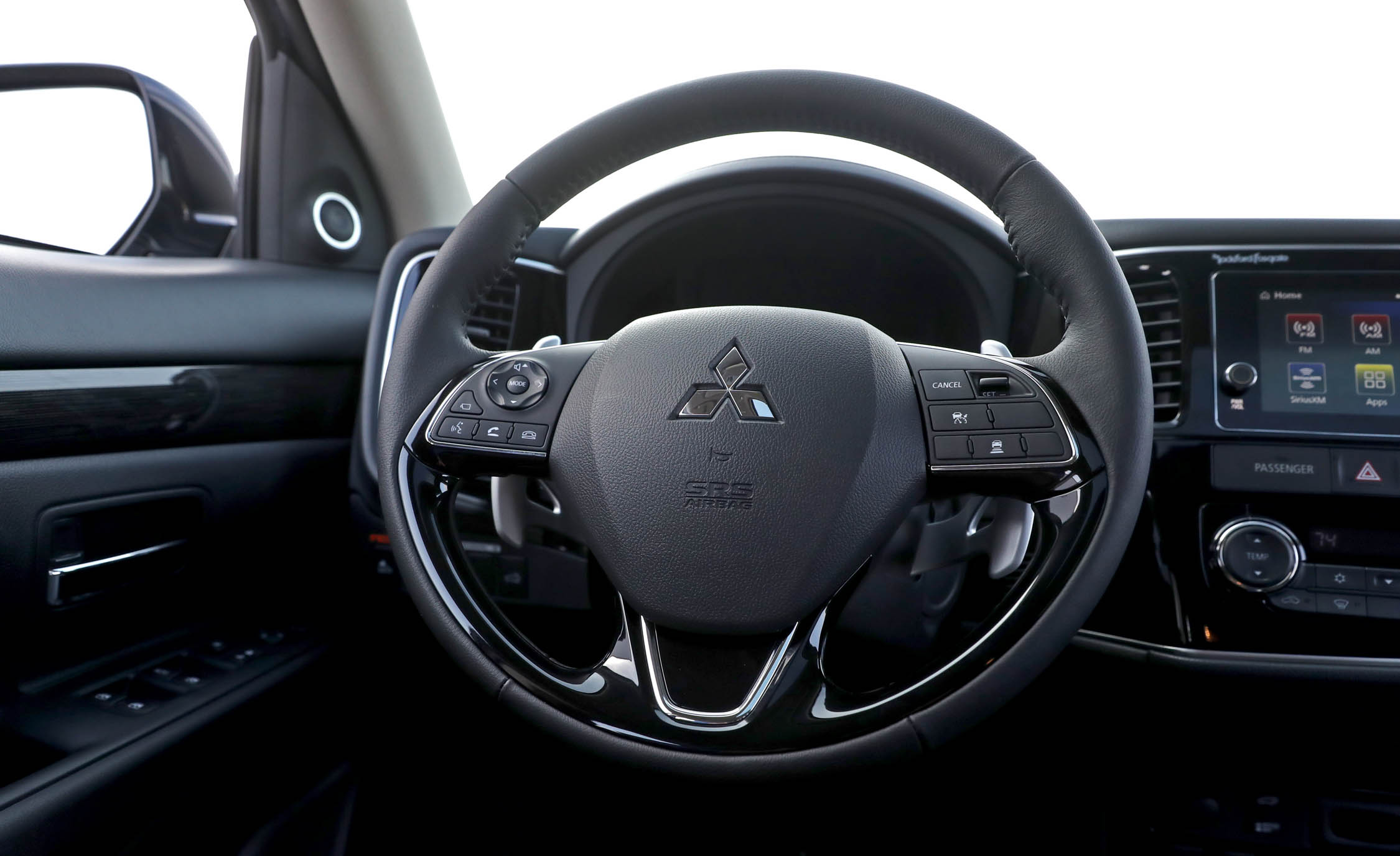 2017 Mitsubishi Outlander Gt Interior View Steering Wheel (View 15 of 34)