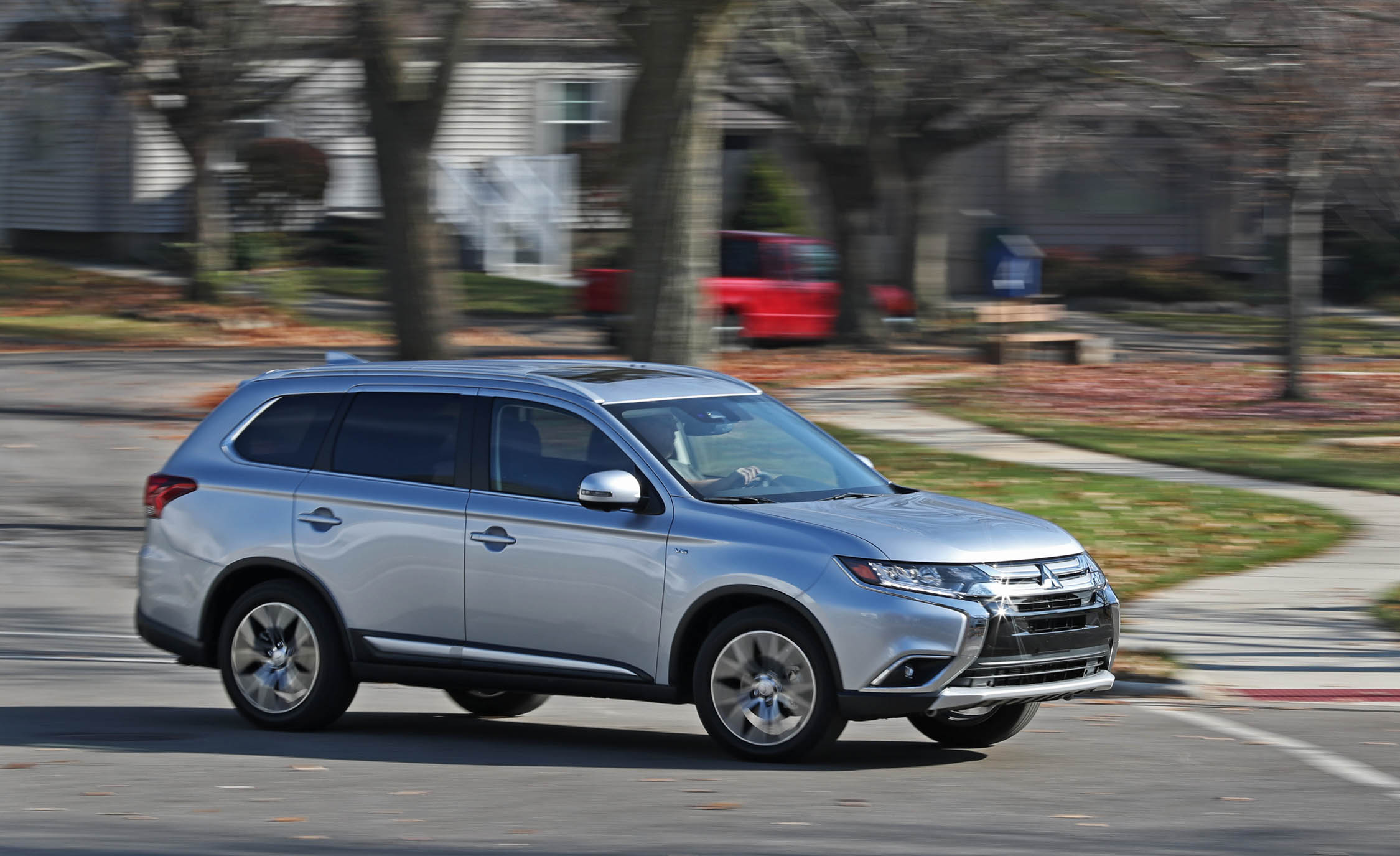 2017 Mitsubishi Outlander Gt Test Drive Front And Side View (View 16 of 34)