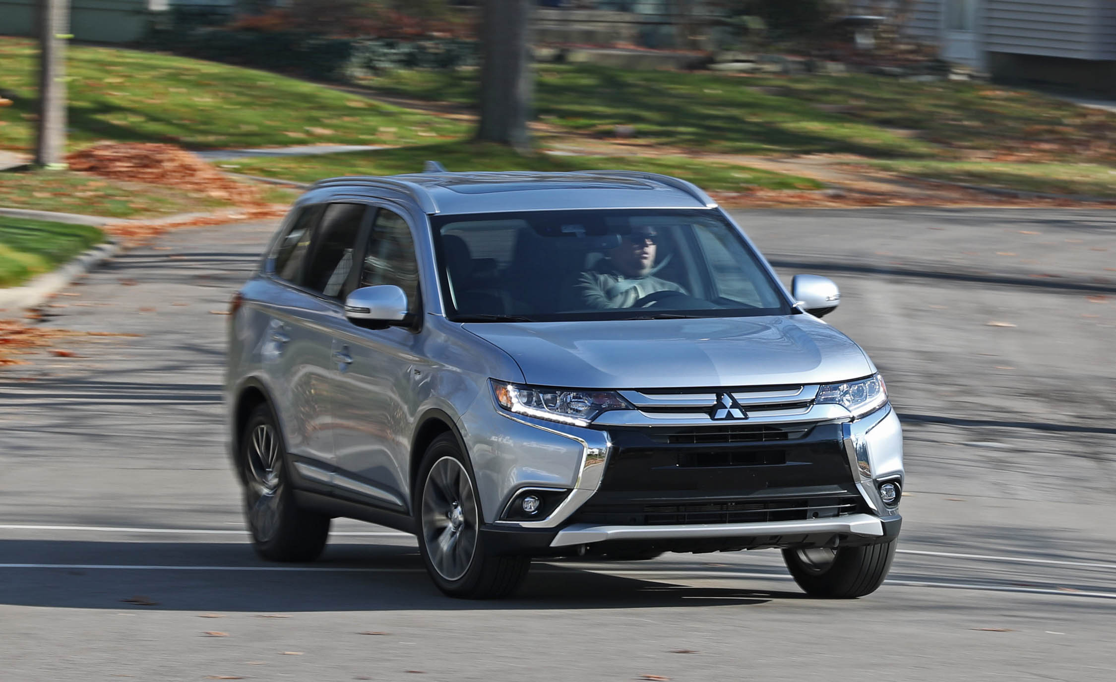2017 Mitsubishi Outlander Gt Test Drive Front View (View 17 of 34)