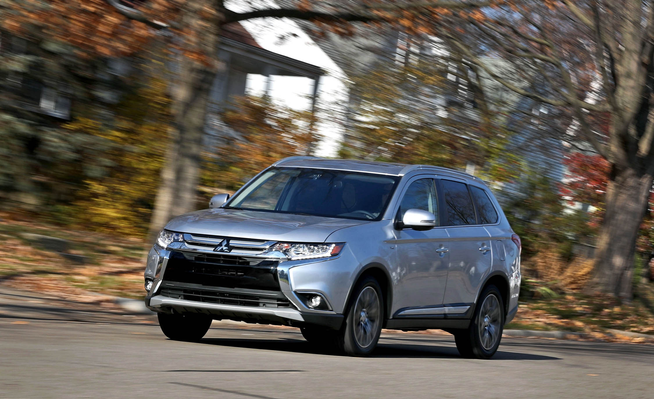 2017 Mitsubishi Outlander Gt (Photo 2 of 34)