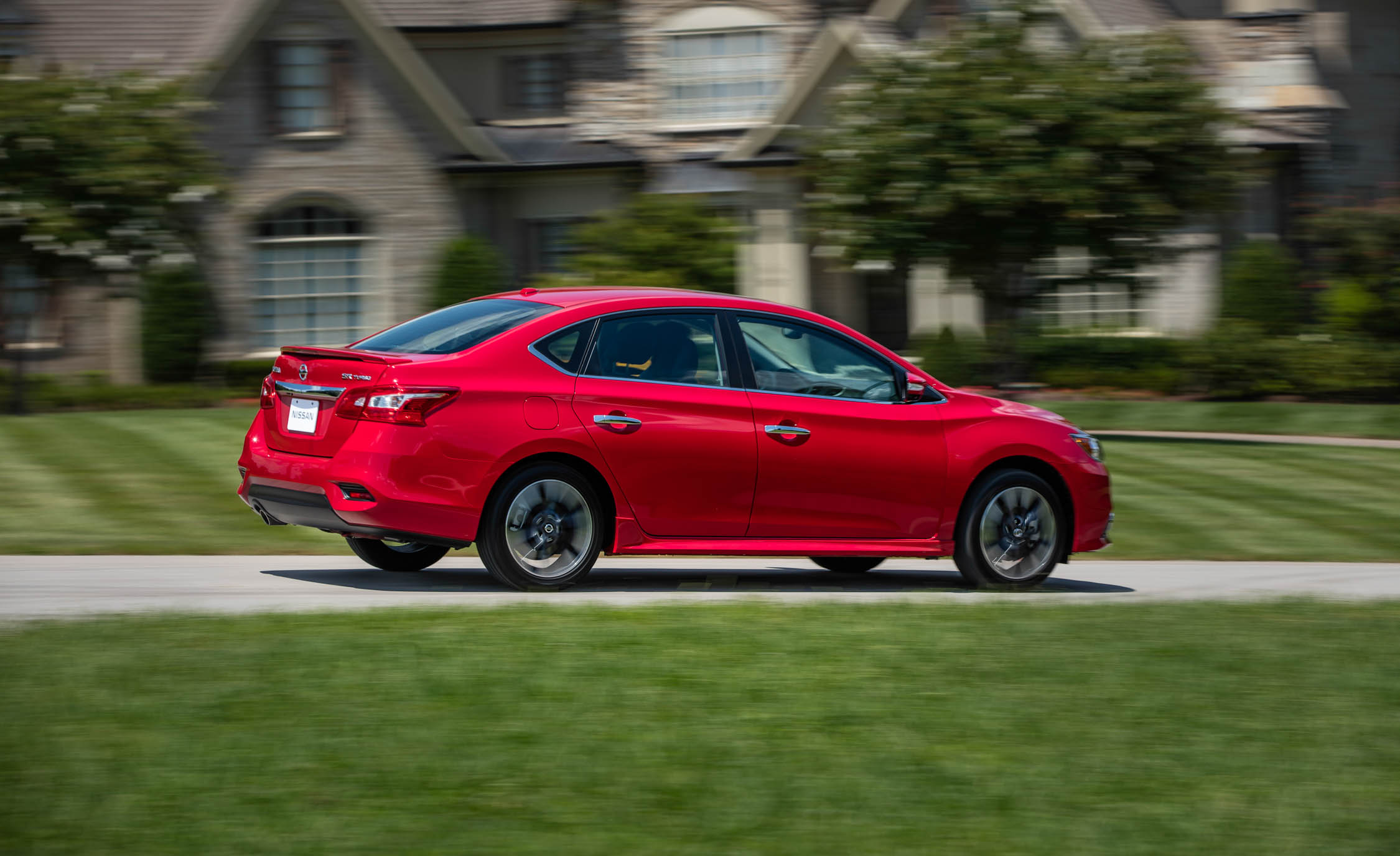 2017 Nissan Sentra SR Turbo (Photo 14 of 27)