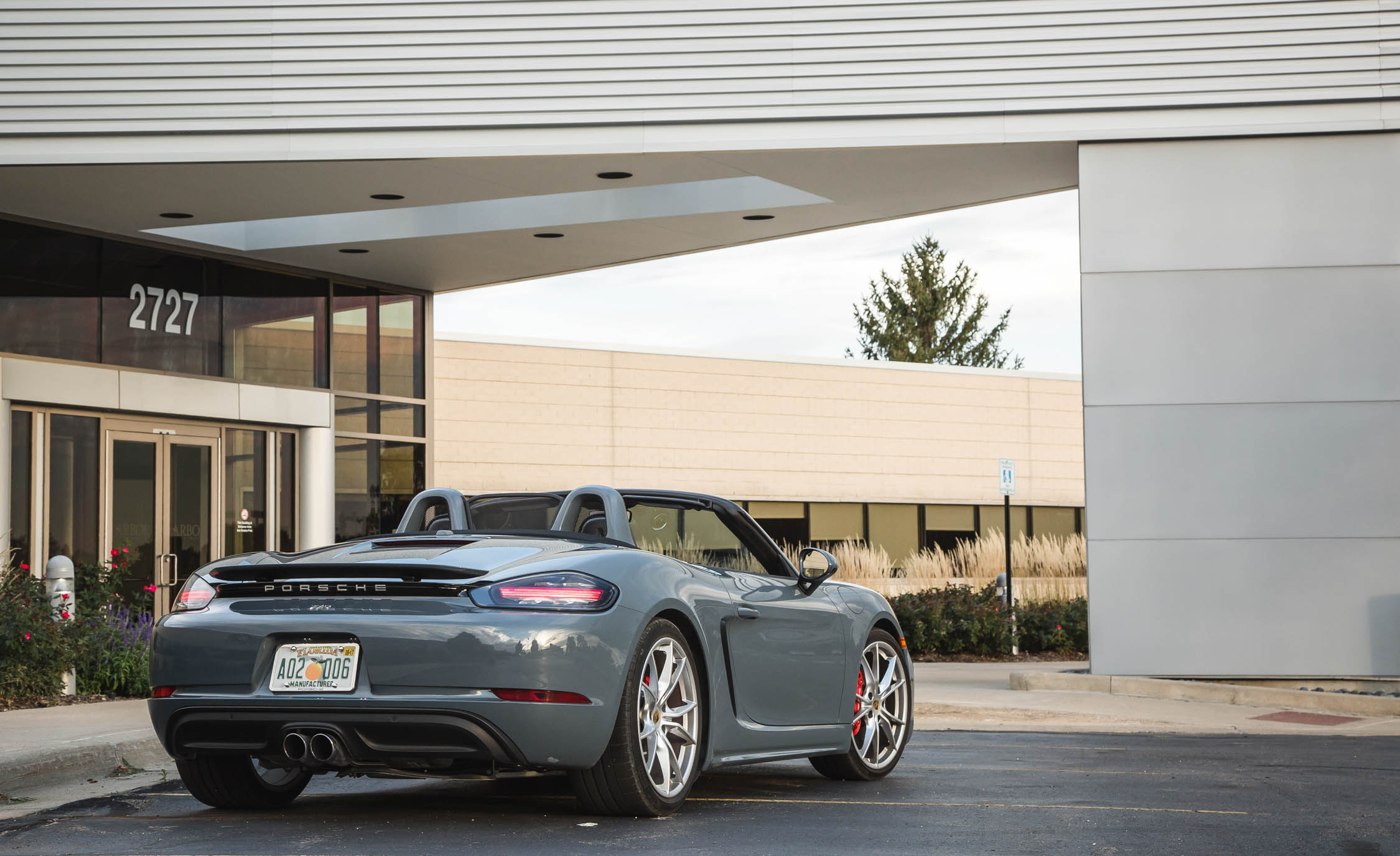 2017 Porsche 718 Boxster S Exterior Rear And Side (View 23 of 71)