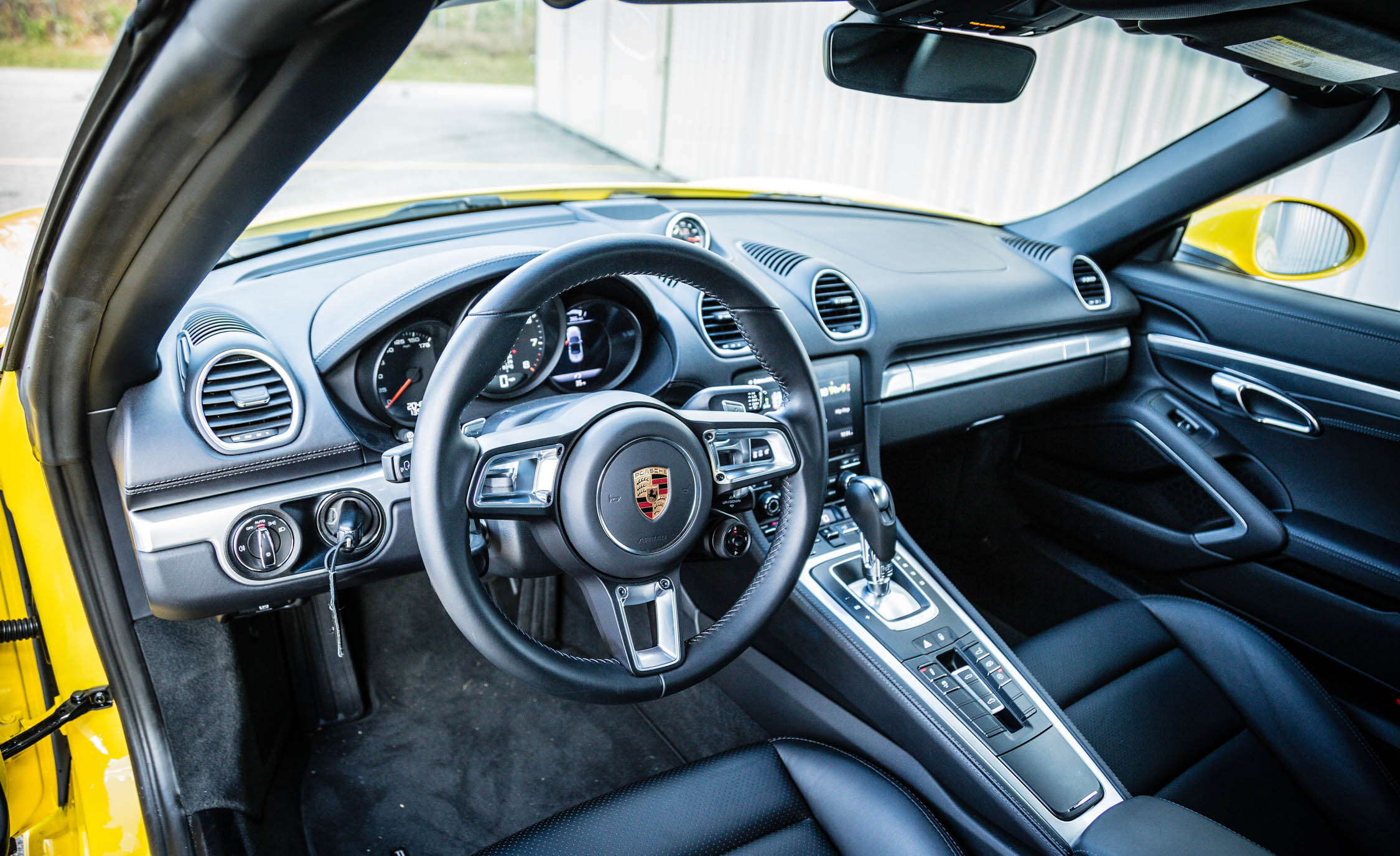 2017 Porsche 718 Boxster Interior Cockpit Steering And Dash (View 9 of 71)