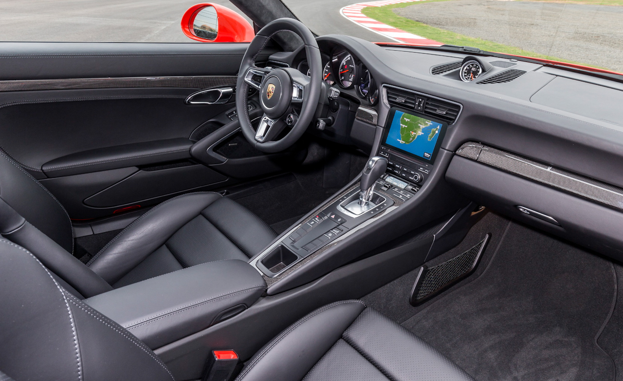 2017 Porsche 911 Turbo S Red Interior Dashboard (Photo 20 of 58)
