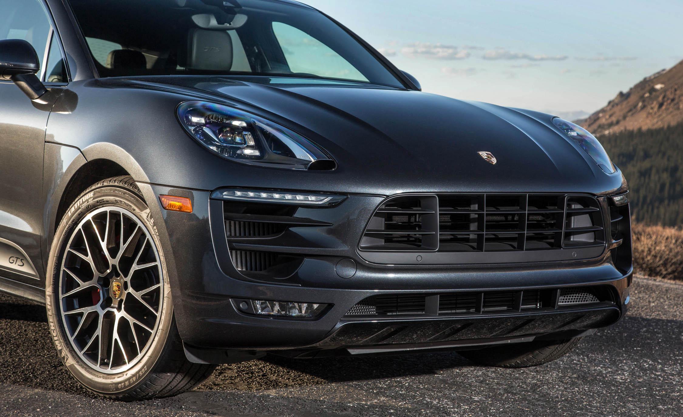 2017 Porsche Macan GTS (Photo 21 of 30)