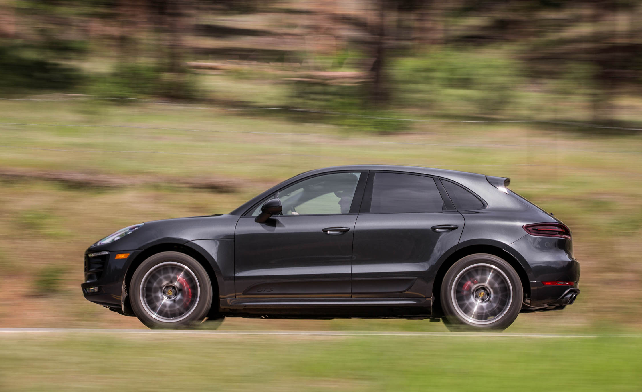 2017 Porsche Macan GTS (Photo 3 of 30)