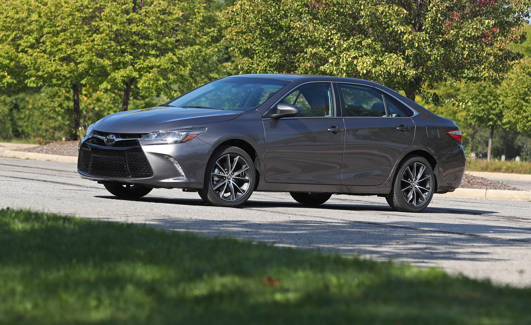 2017 Toyota Camry Exterior Side And Front (View 33 of 37)