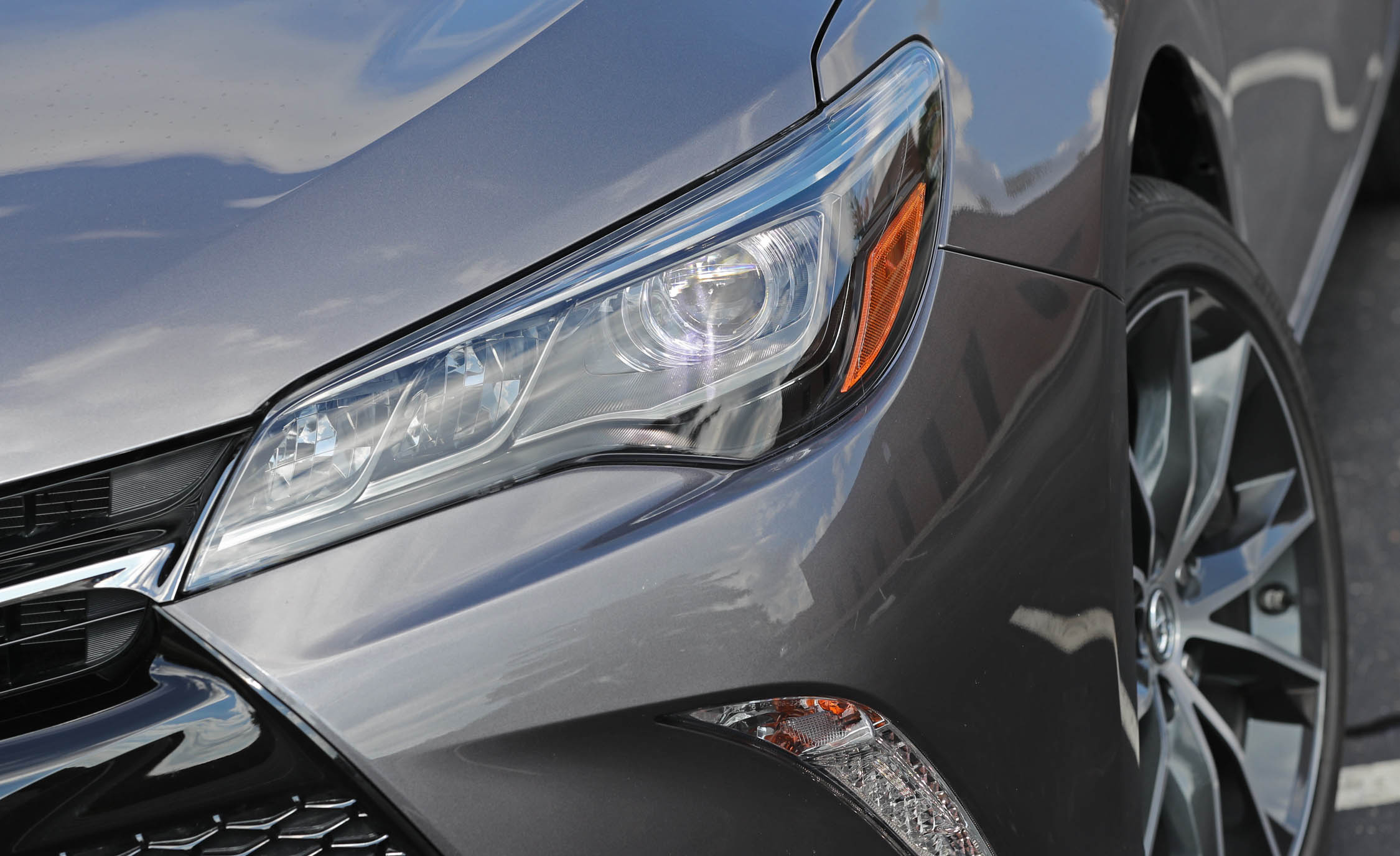 2017 Toyota Camry Exterior View Headlight (View 28 of 37)