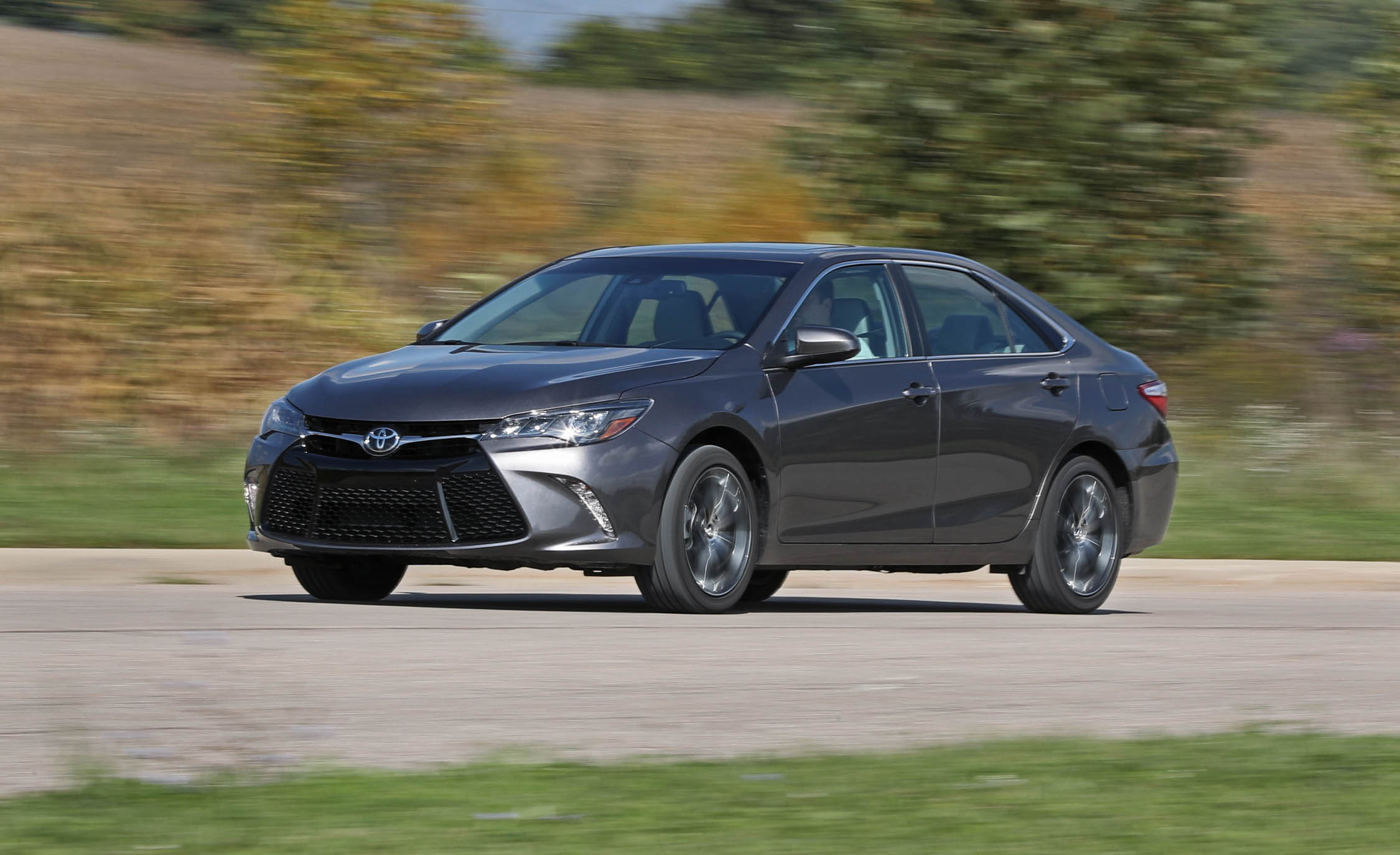 2017 Toyota Camry Grey Metallic (View 24 of 37)