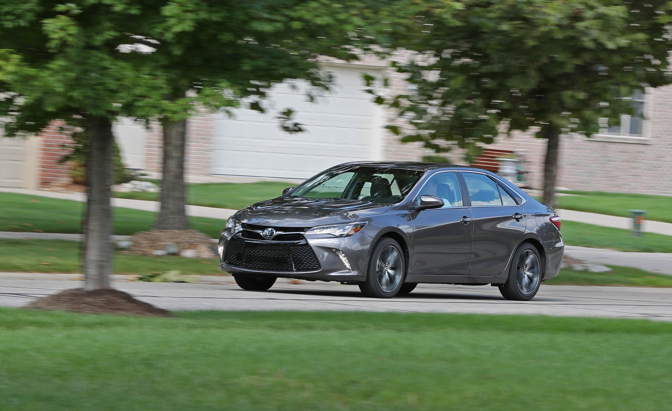 2017 Toyota Camry Test Drive Front And Side View (Photo 27 of 37)