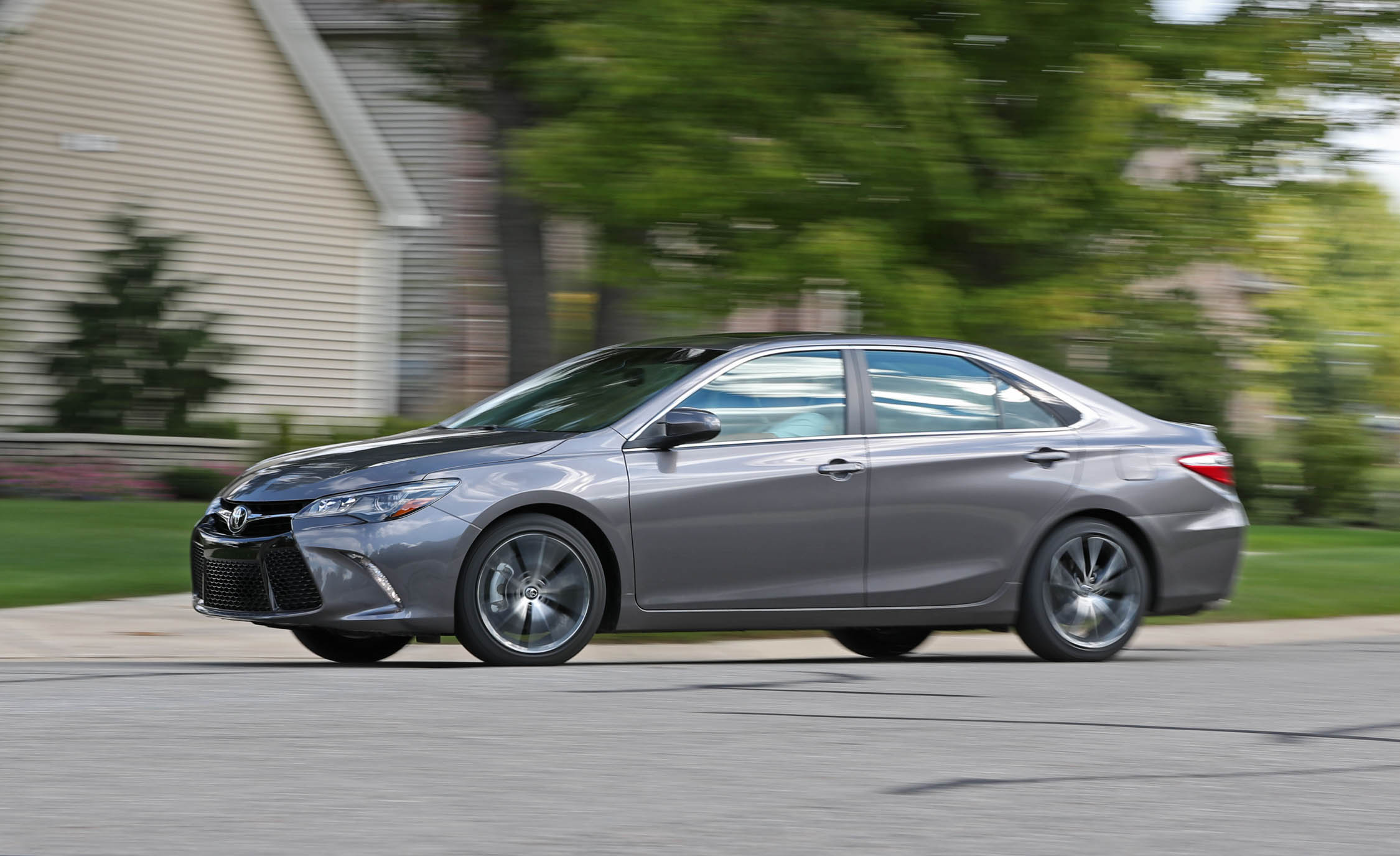 2017 Toyota Camry Test Drive Preview (View 12 of 37)