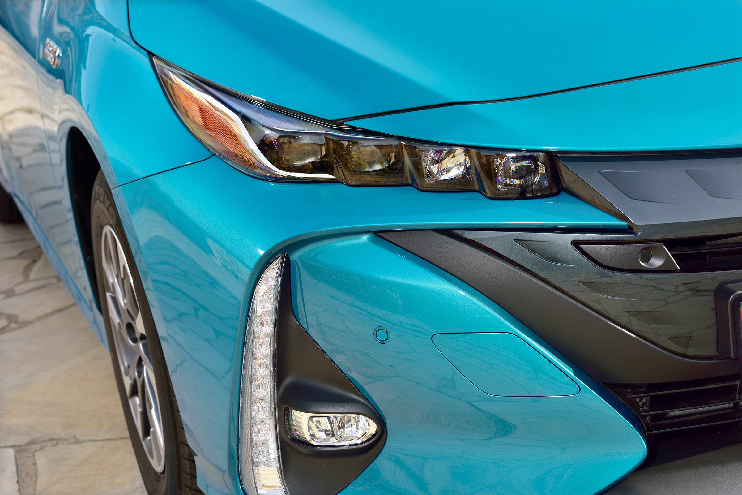 2017 Toyota Prius Blue Exterior View Headlight (Photo 3 of 64)