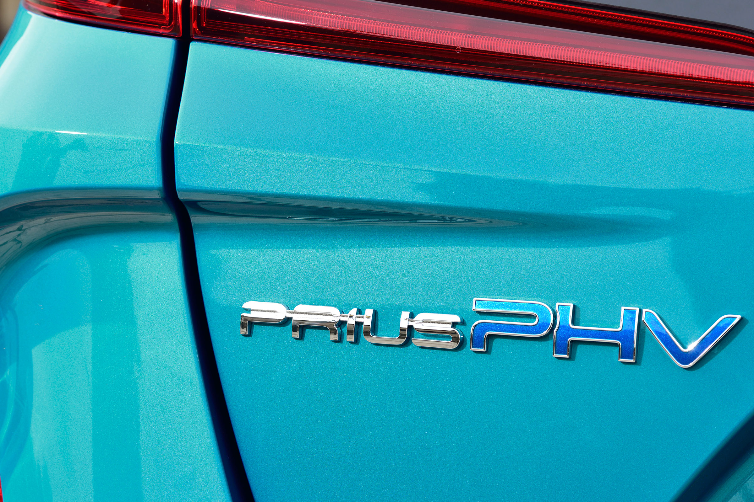 2017 Toyota Prius Blue Exterior View Rear Emblem (Photo 4 of 64)