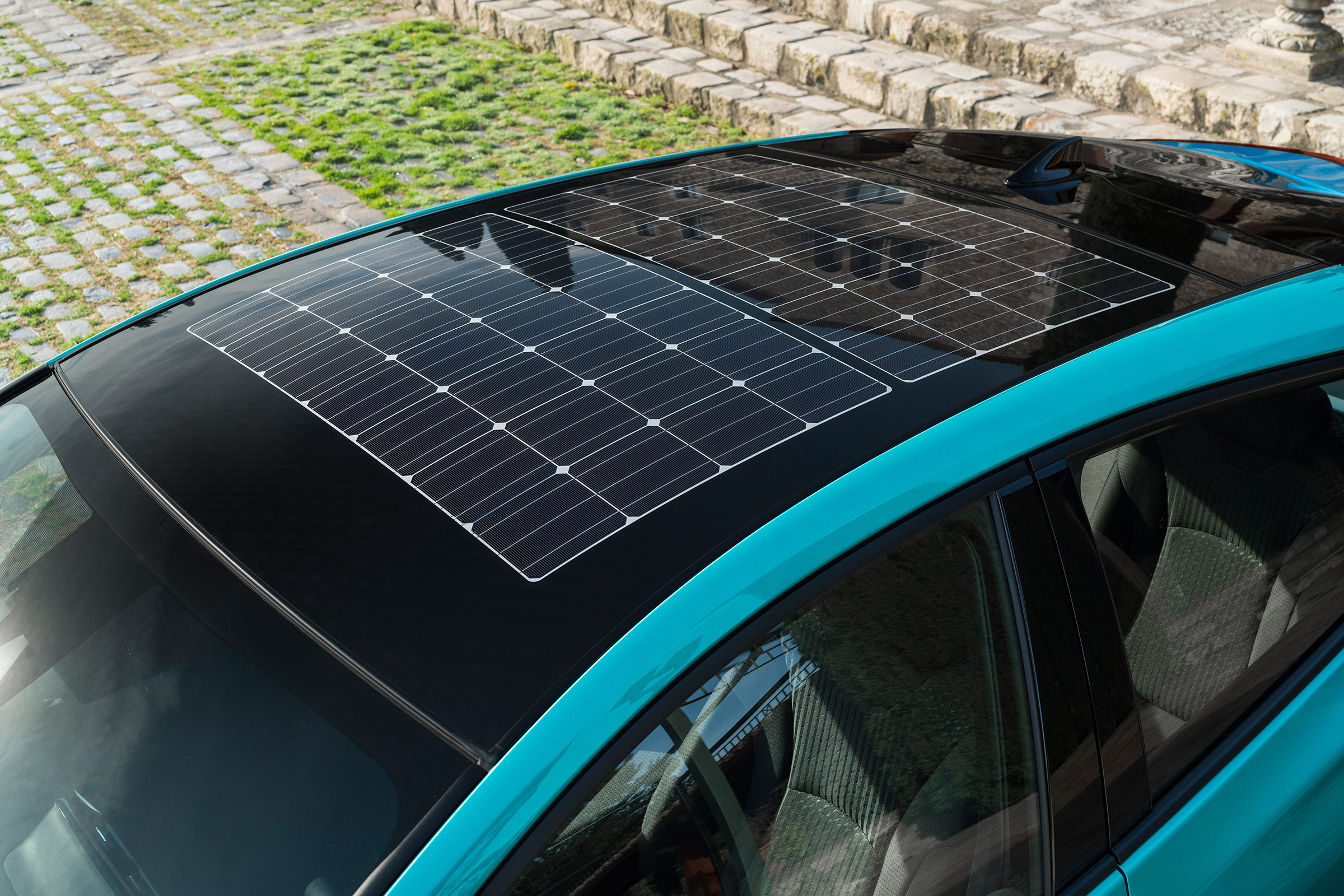2017 Toyota Prius Blue Exterior View Solar Roof (Photo 5 of 64)