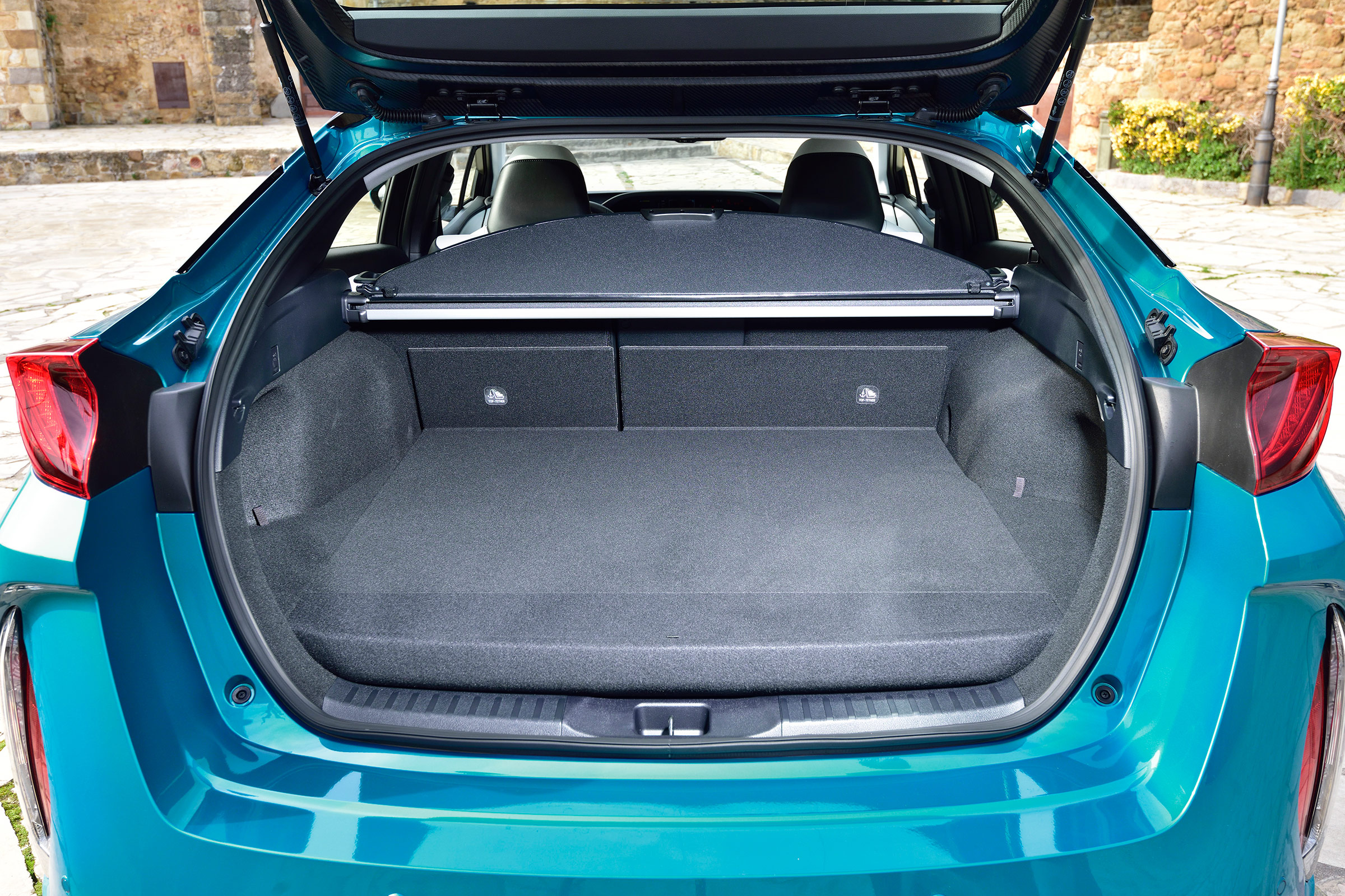 2017 Toyota Prius Blue Interior View Cargo Trunk (Photo 7 of 64)