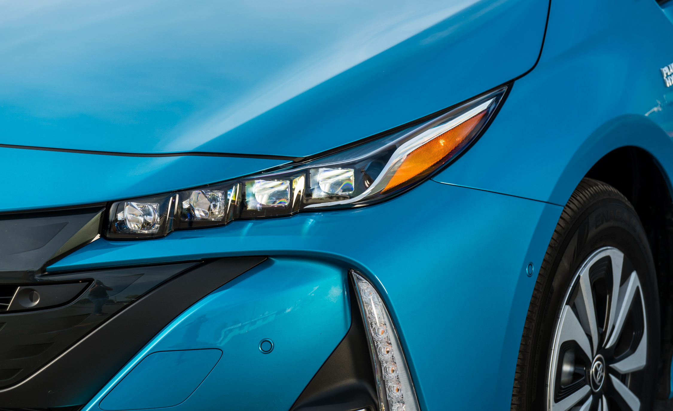 2017 Toyota Prius Prime Advanced (Photo 23 of 64)