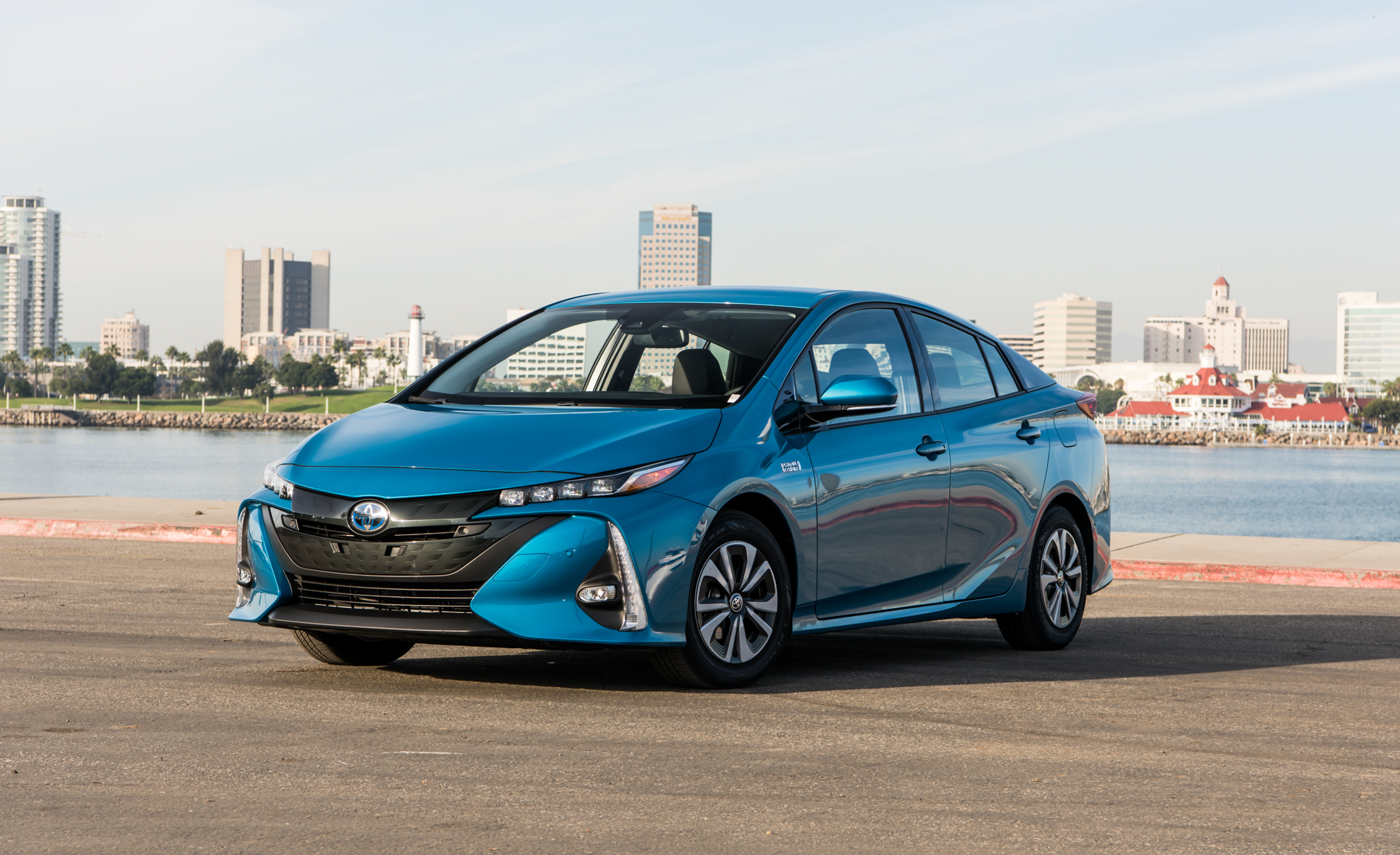 2017 Toyota Prius Prime Advanced (Photo 24 of 64)