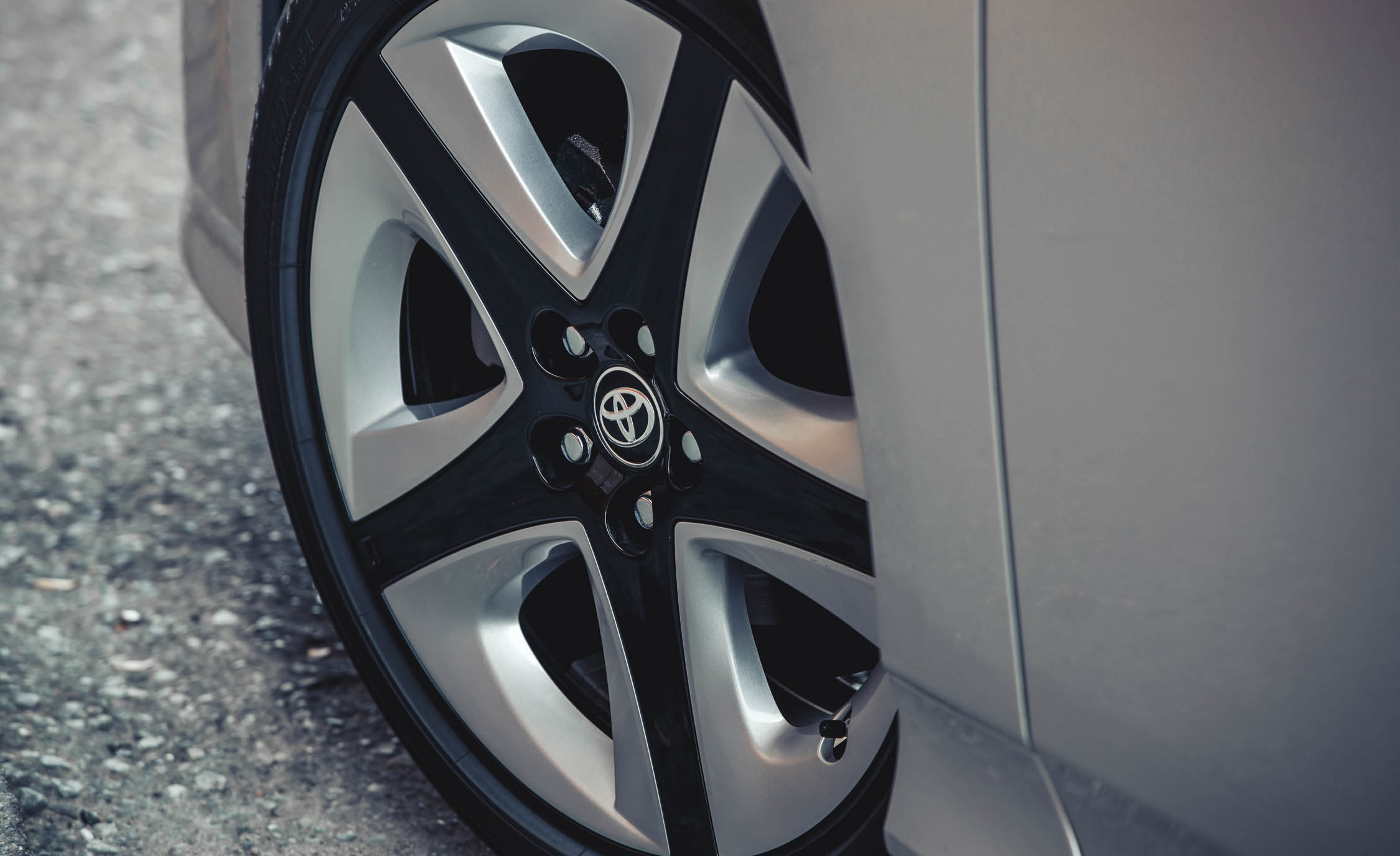 2017 Toyota Prius Exterior View Wheel Trim (Photo 39 of 64)