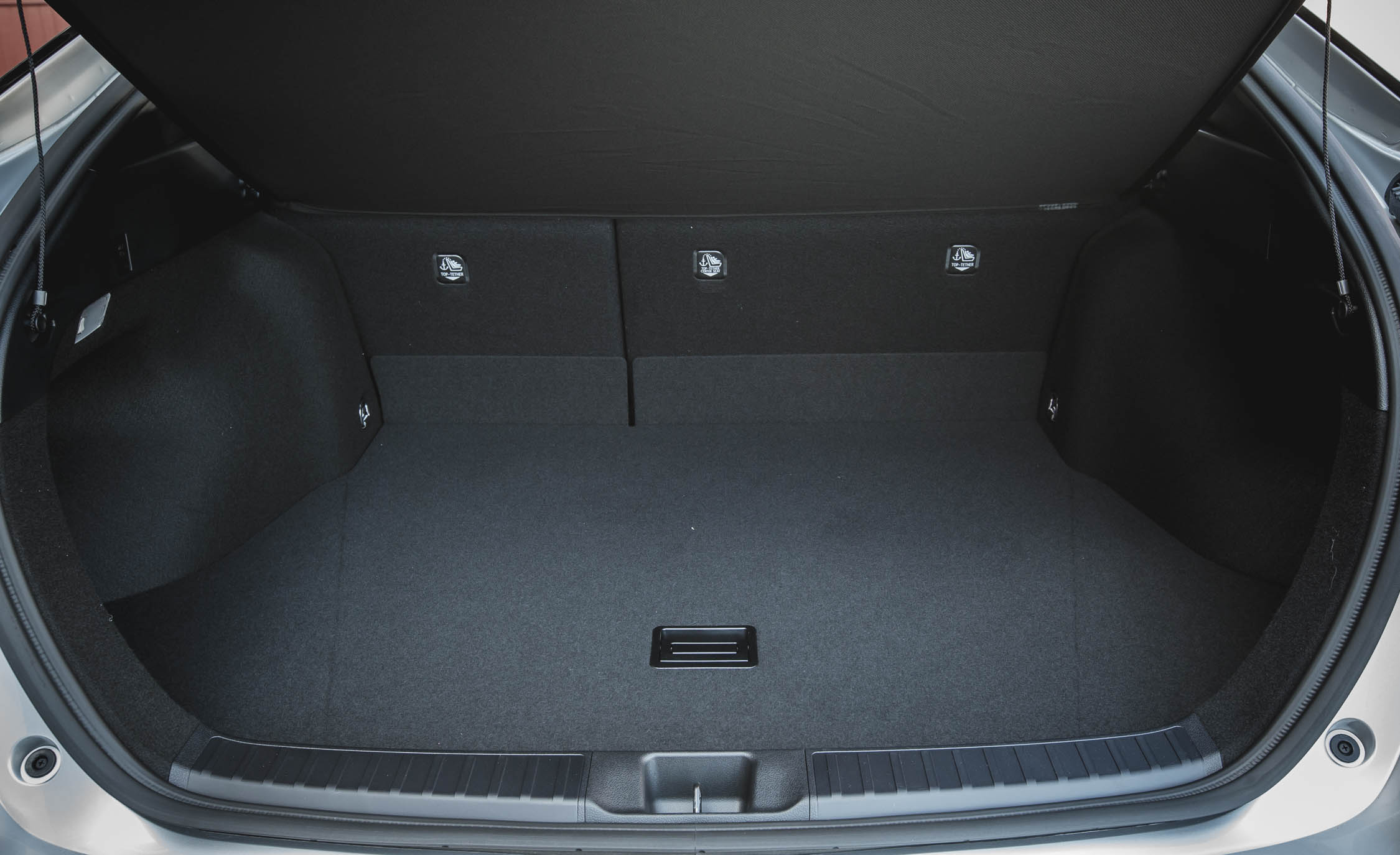 2017 Toyota Prius Interior View Cargo Trunk (Photo 50 of 64)