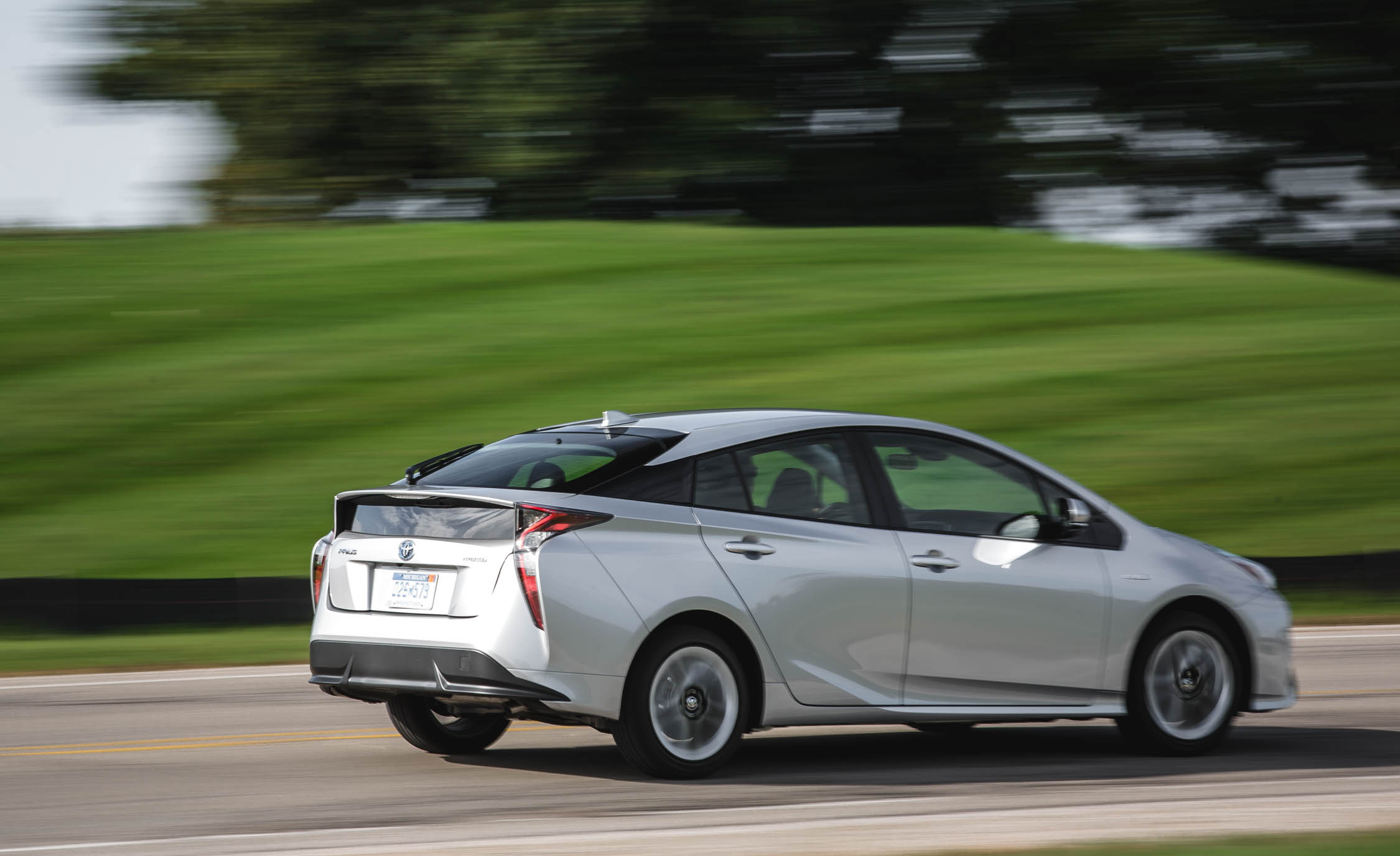 2017 Toyota Prius Test Drive Rear And Side View (Photo 56 of 64)