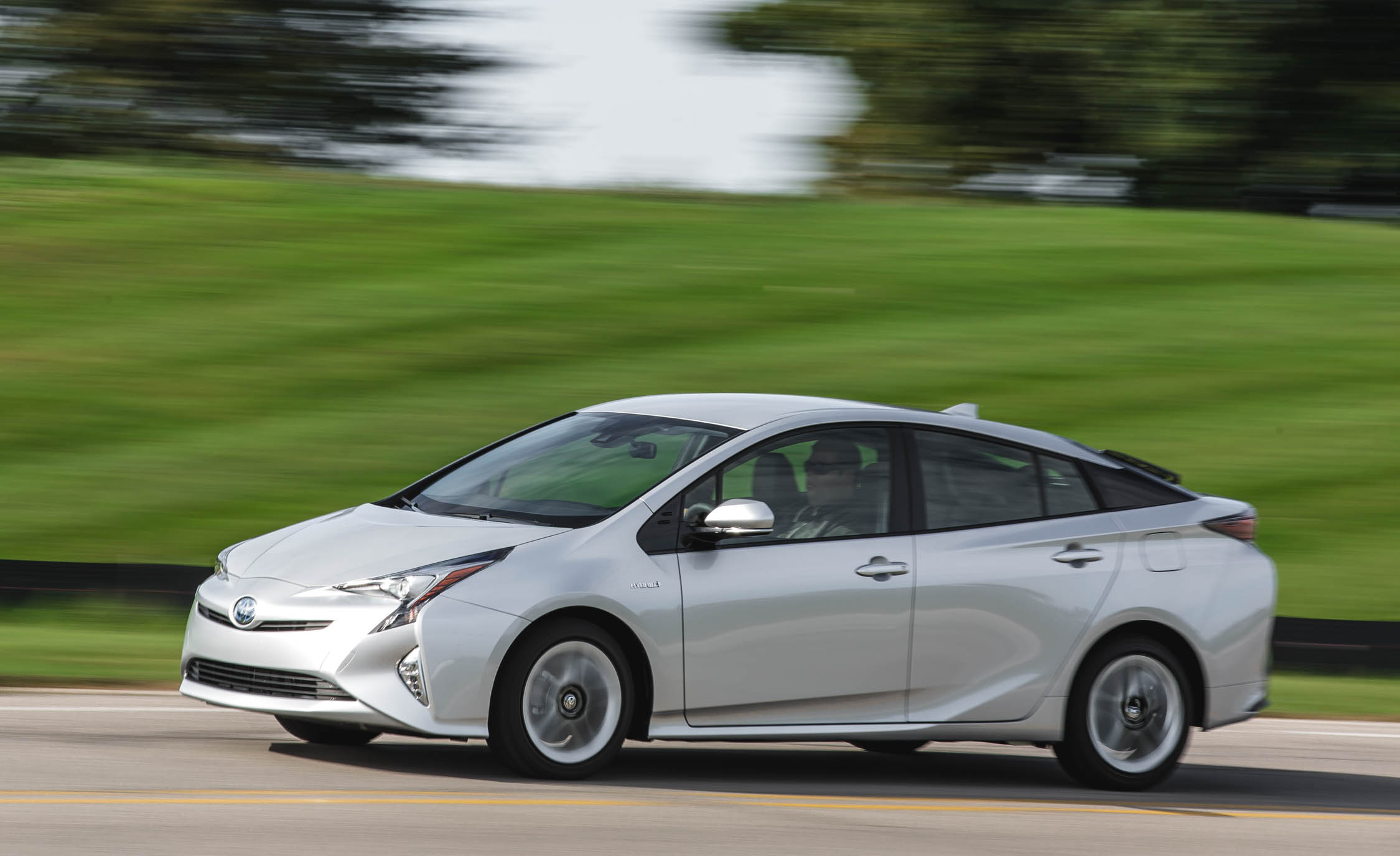 2017 Toyota Prius Three Test Drive (Photo 60 of 64)