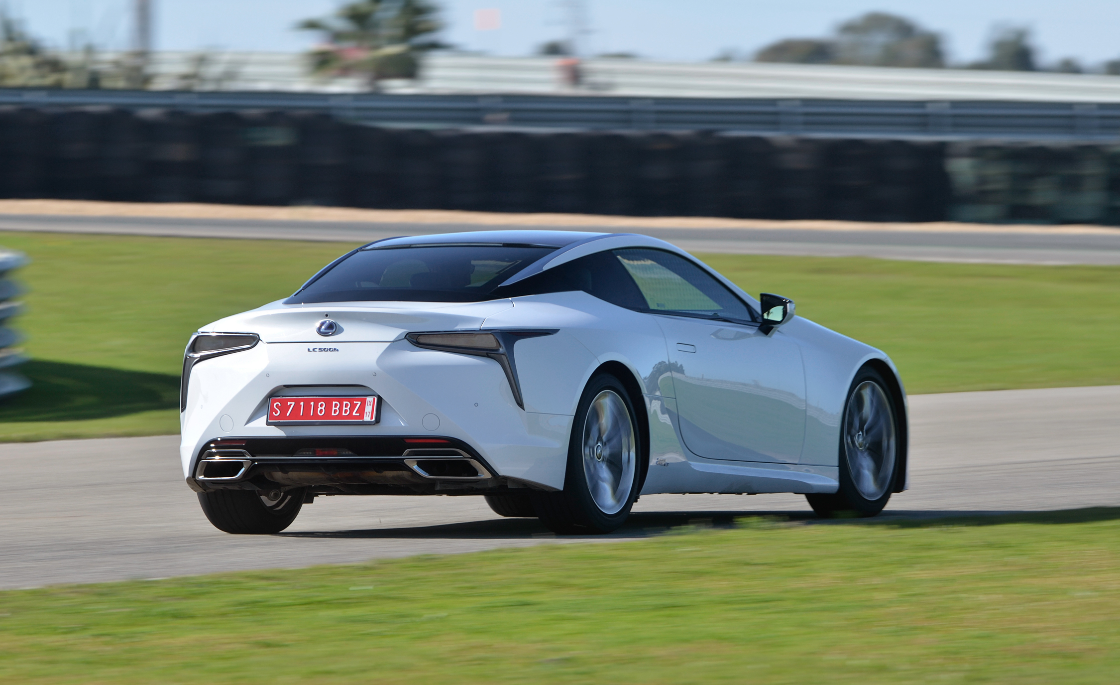 2018 Lexus Lc 500h White Test Drive Rear View (Photo 29 of 84)