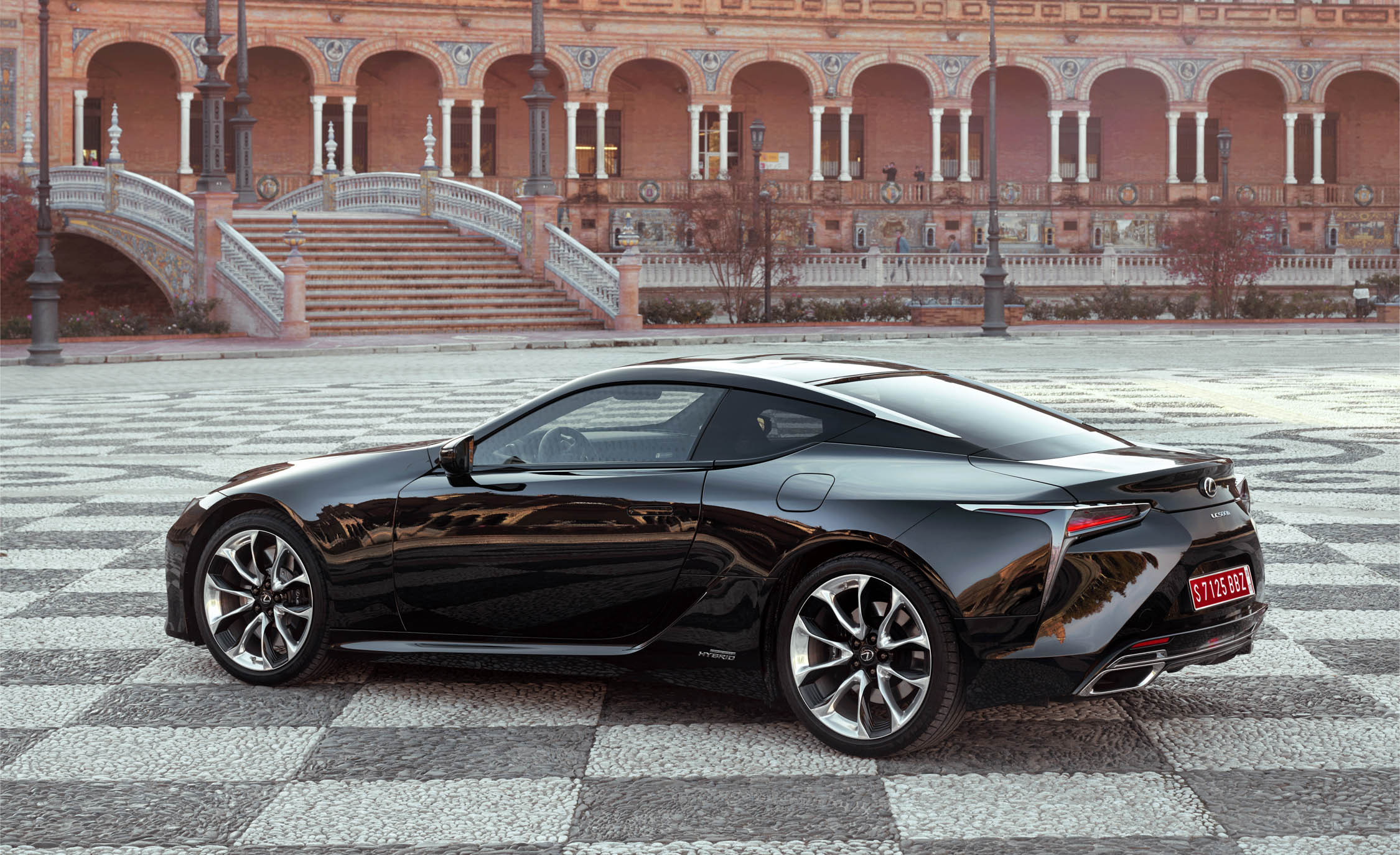 2018 Lexus Lc 500h Black Exterior Side And Rear (Photo 46 of 84)