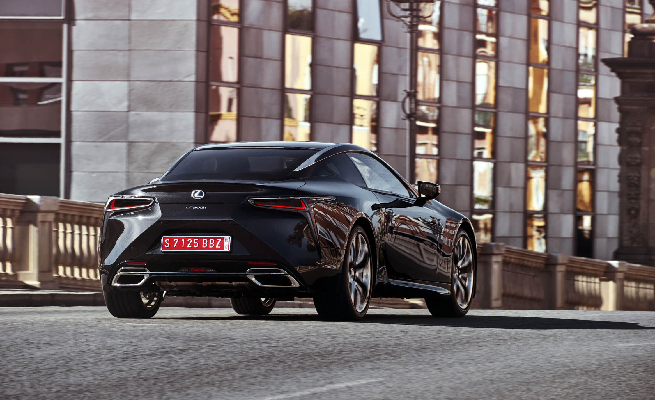2018 Lexus Lc 500h Black Rear Corner (Photo 48 of 84)