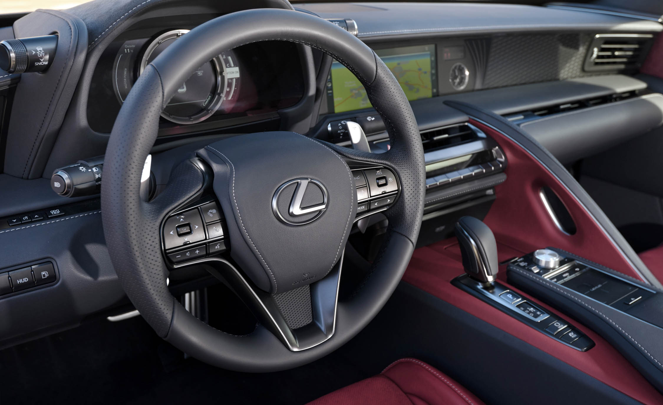2018 Lexus Lc 500h Interior View Steering Wheel (Photo 56 of 84)
