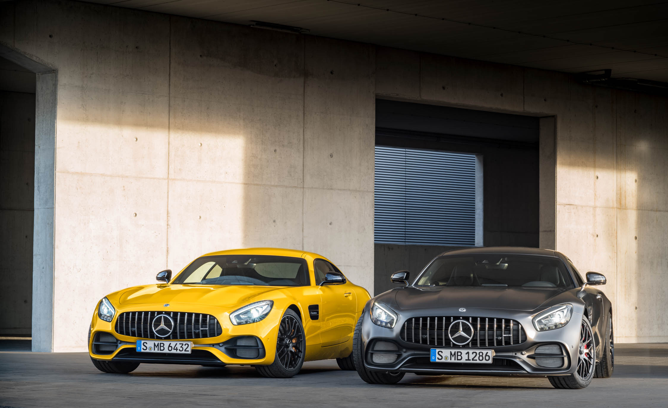 2018 Mercedes Amg Gt C And 2018 Mercedes Amg Gt S (Photo 2 of 23)