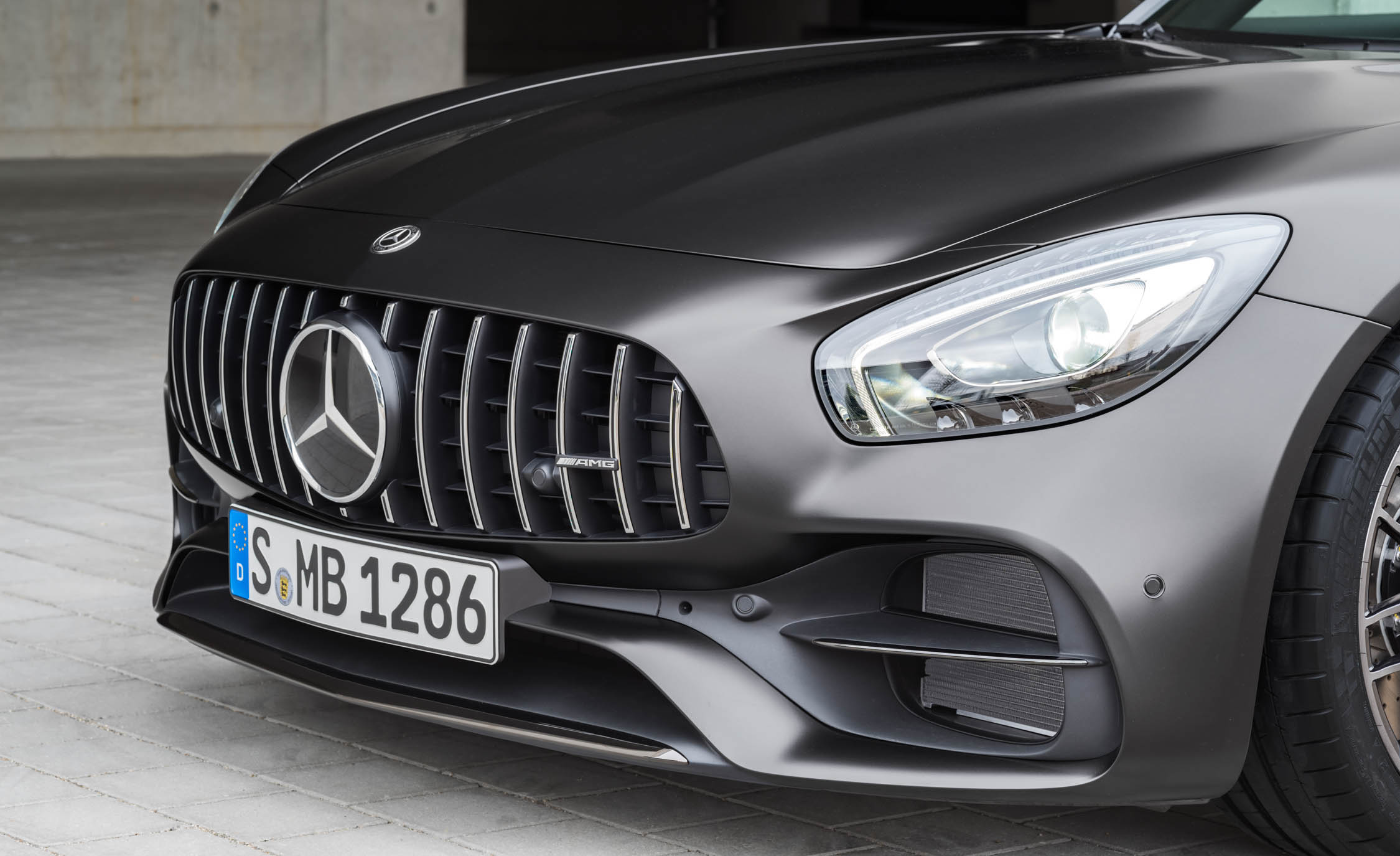 2018 Mercedes Amg Gt C Exterior View Grille And Bumper (Photo 8 of 23)