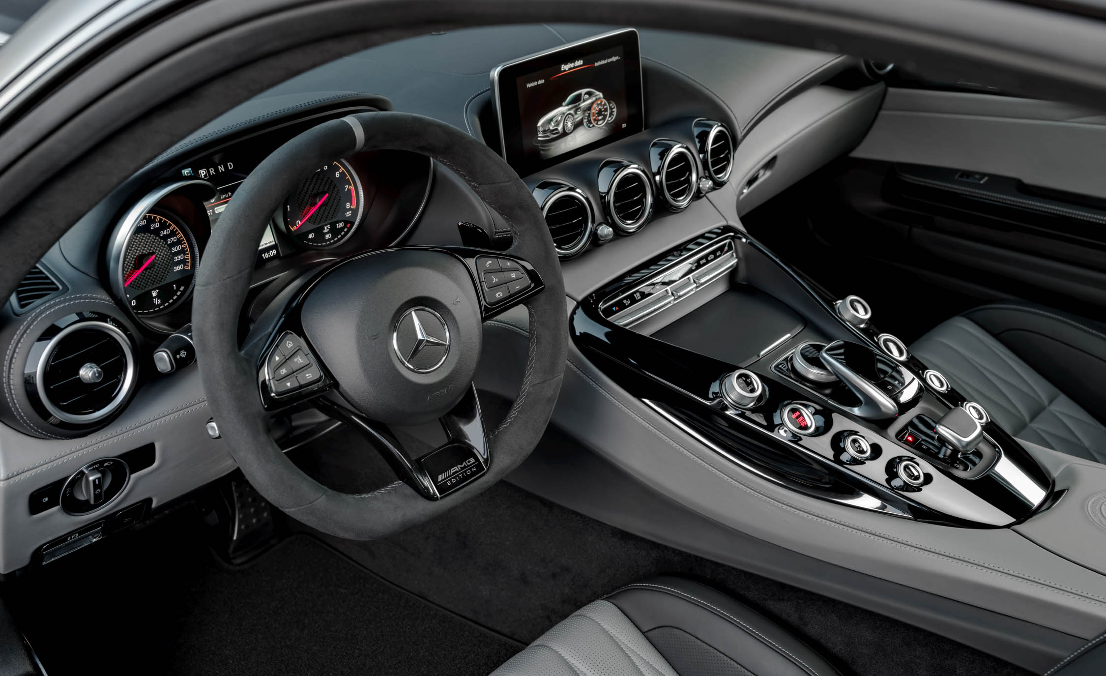 2018 Mercedes Amg Gt C Interior Cockpit Steering And Dash (View 12 of 23)