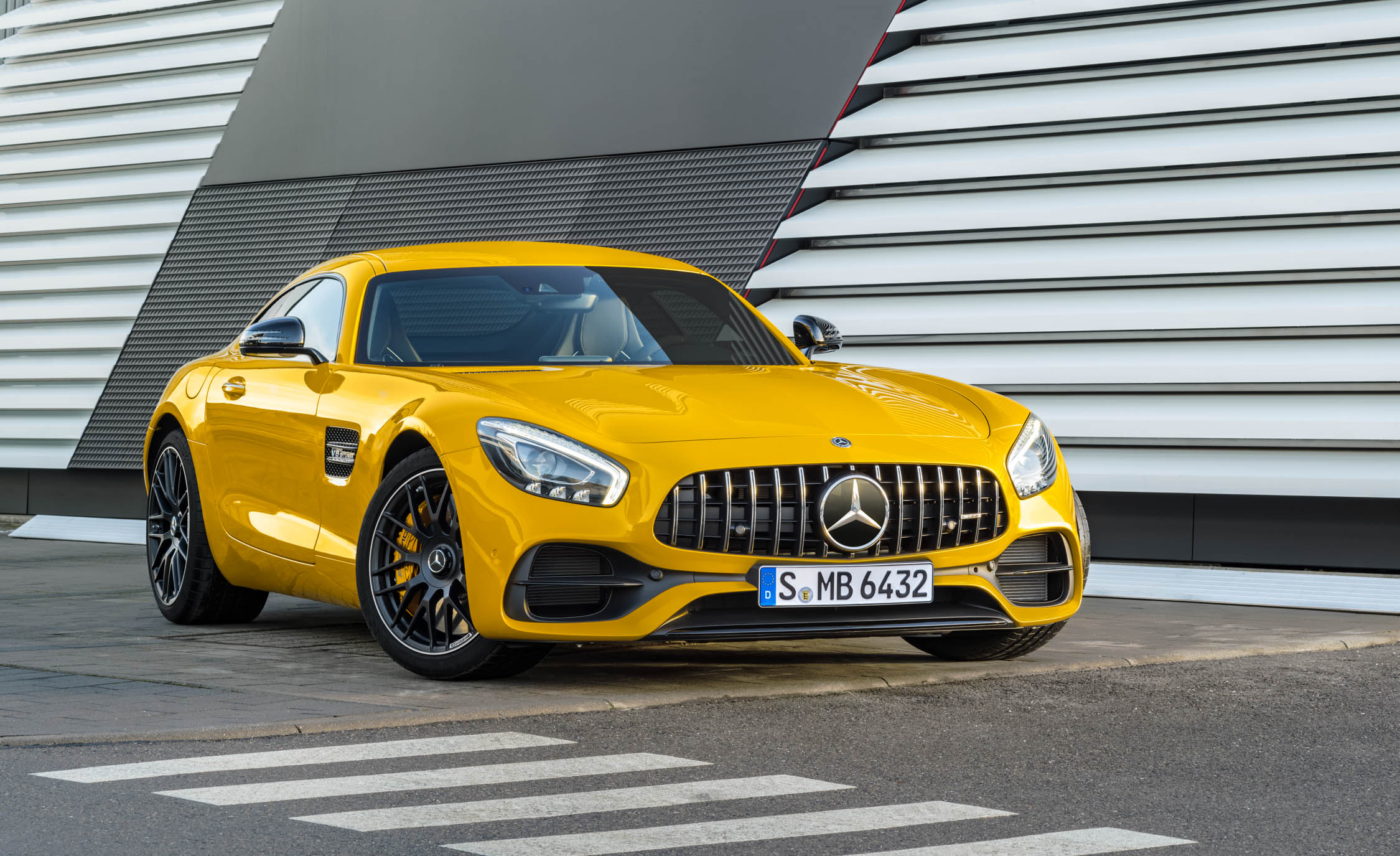2018 Mercedes Amg Gt S Exterior Front And Side (Photo 19 of 23)