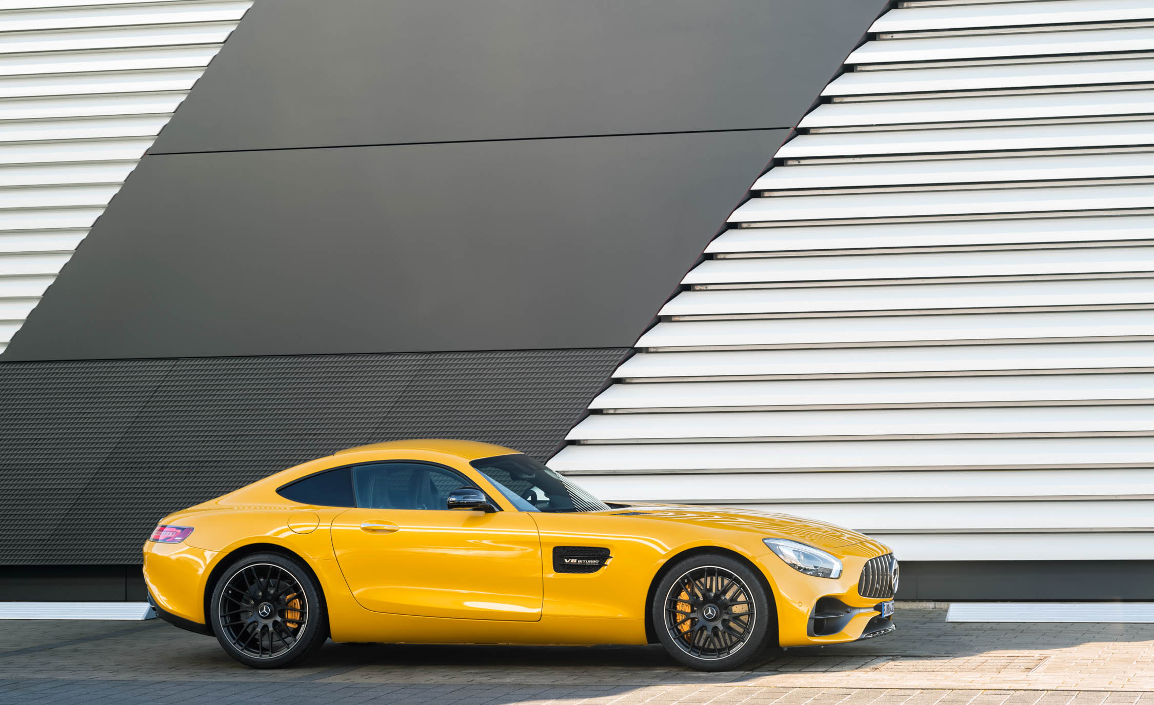 2018 Mercedes Amg Gt S Exterior Side (Photo 21 of 23)