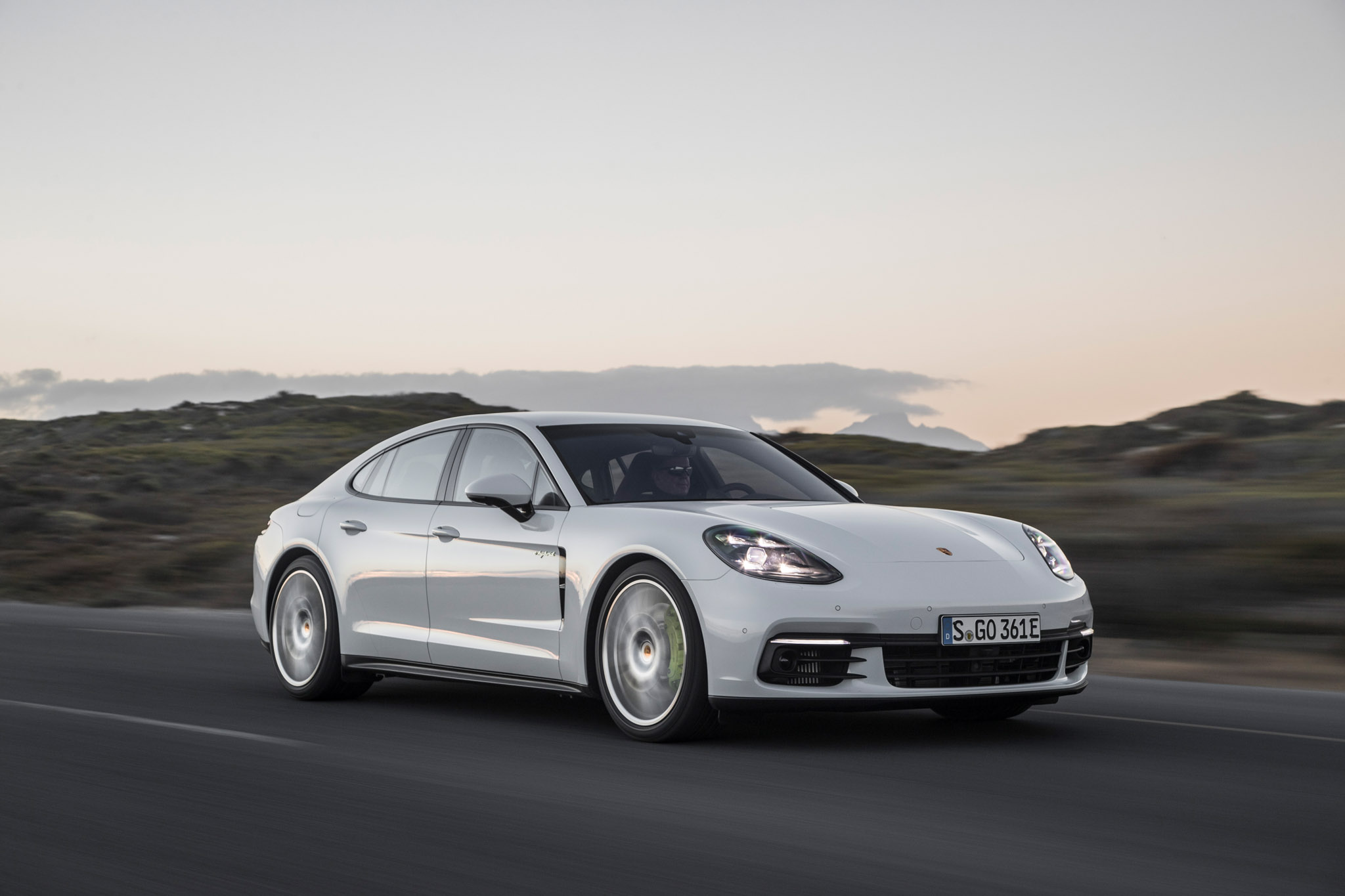 2018 Porsche Panamera 4 E Hybrid Test Drive (Photo 10 of 10)