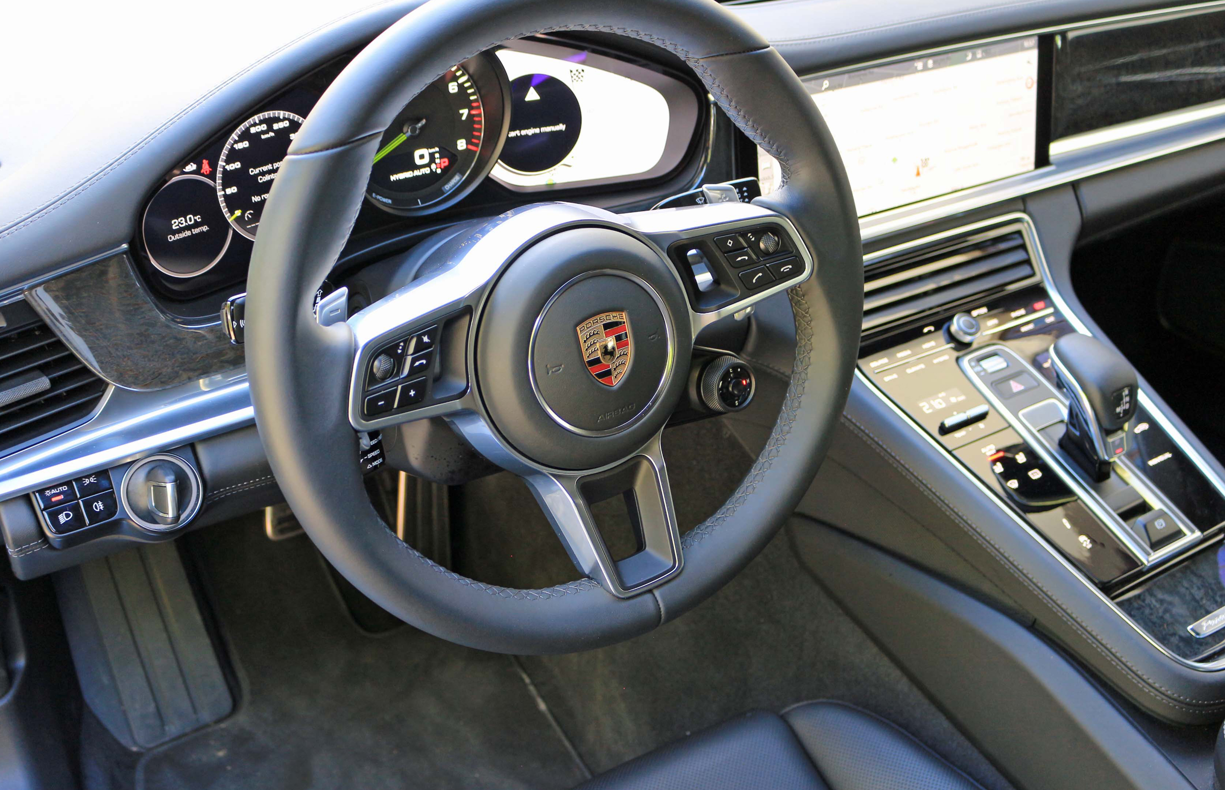 2018 Porsche Panamera 4 E Hybrid Interior Cockpit And Dash (View 7 of 10)
