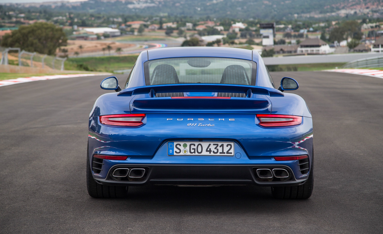 Porsche 911 Turbo Exterior Rear (Photo 48 of 58)