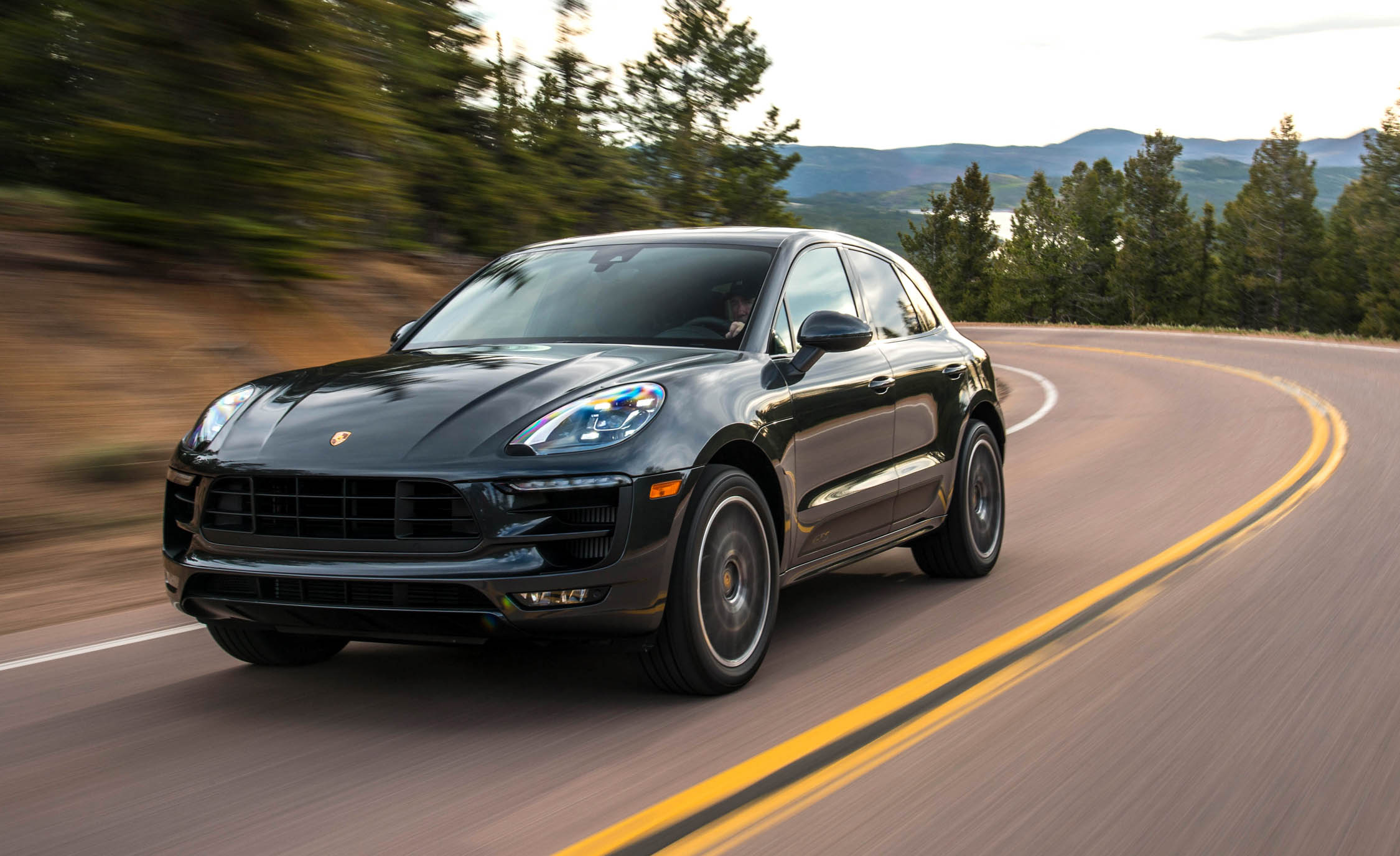 2017 Porsche Macan GTS (View 2 of 30)