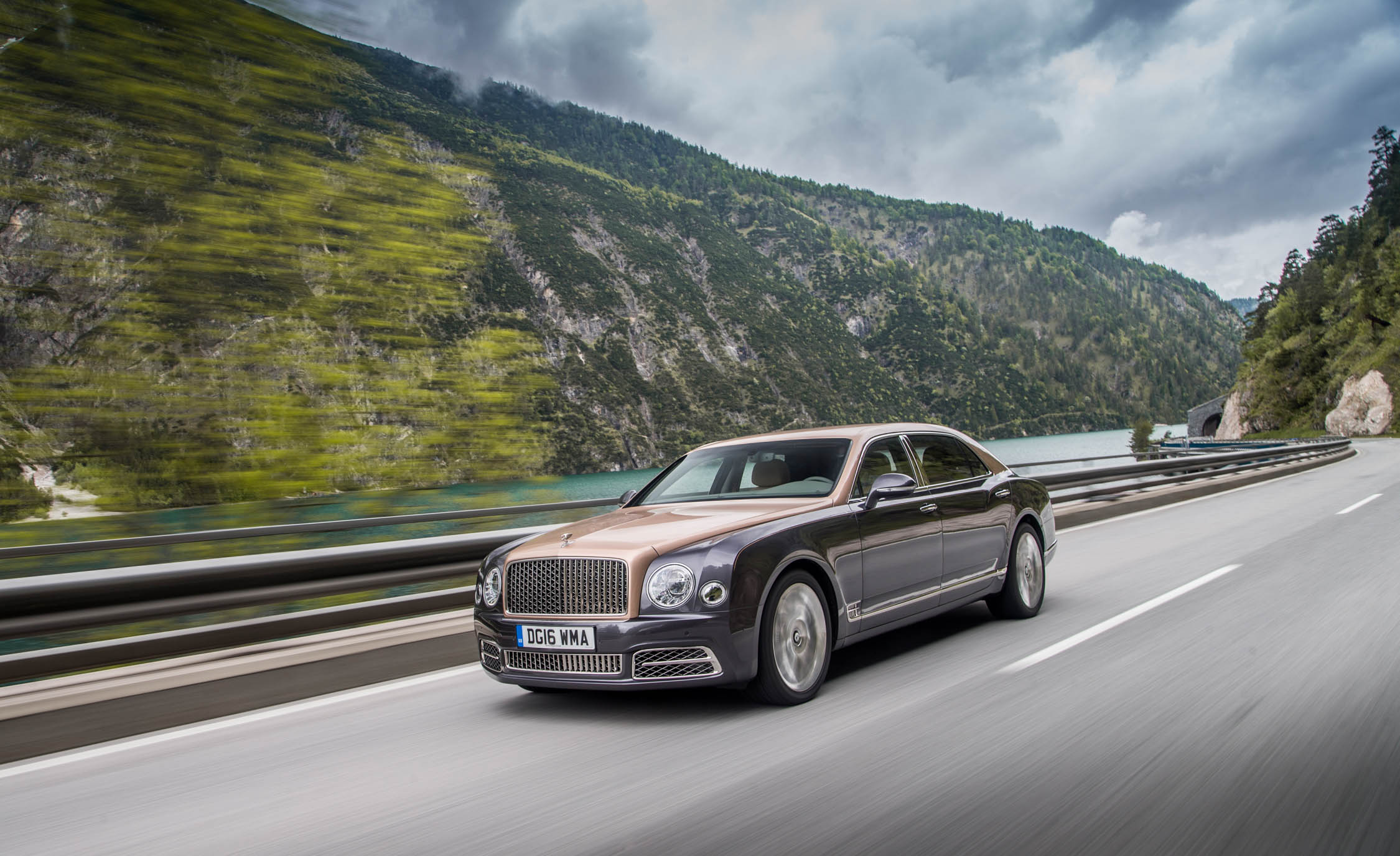2017 Bentley Mulsanne EWB (View 24 of 37)