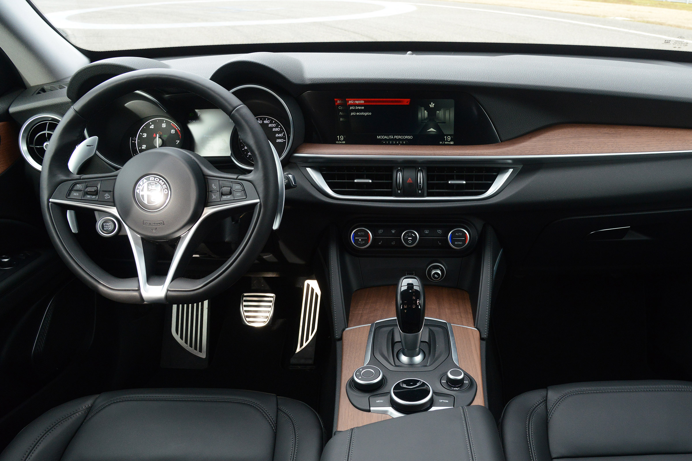 2017 Alfa Romeo Stelvio Interior Dashboard (Photo 11 of 23)