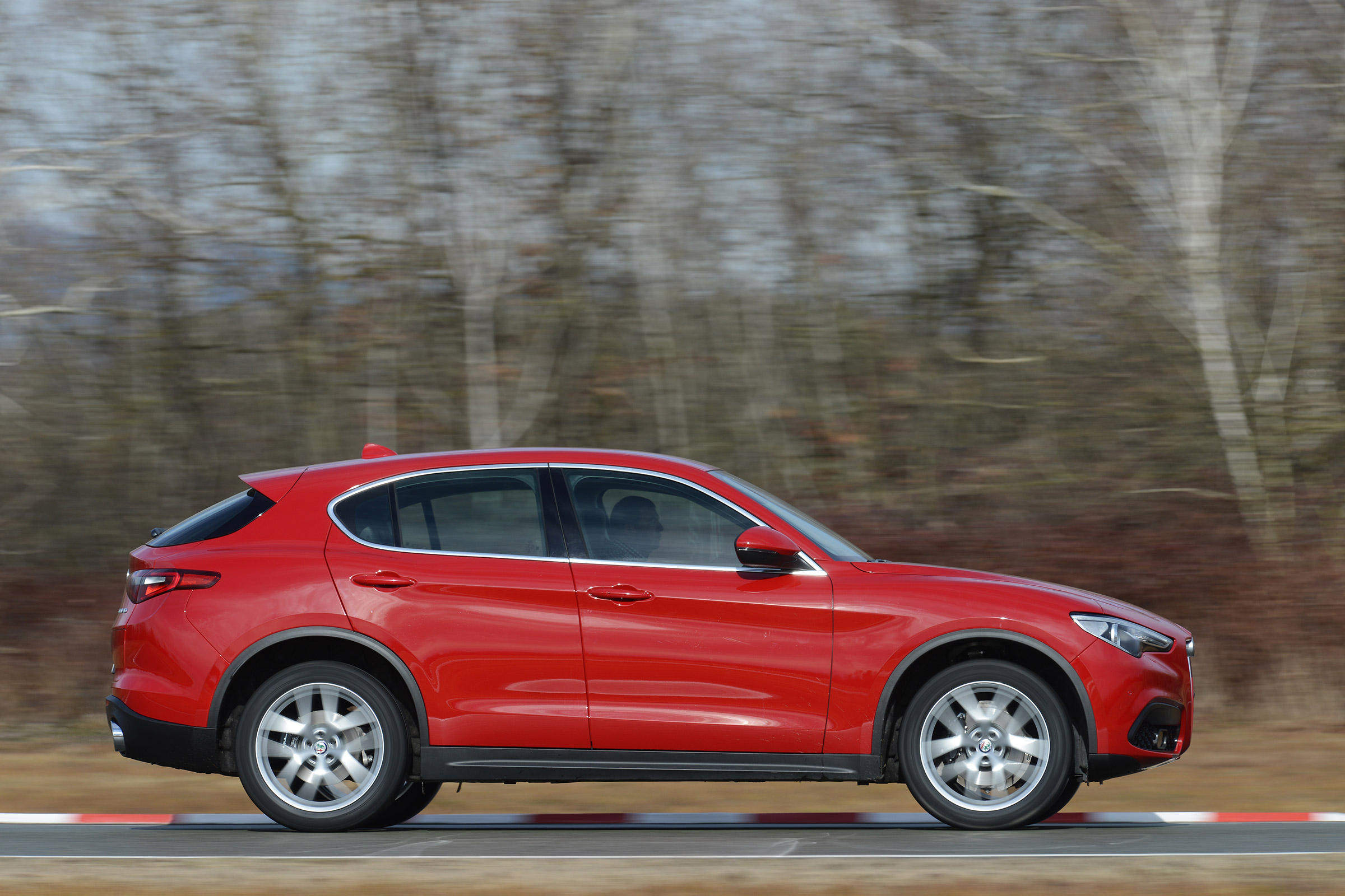 2017 Alfa Romeo Stelvio Test Drive Side View (Photo 23 of 23)