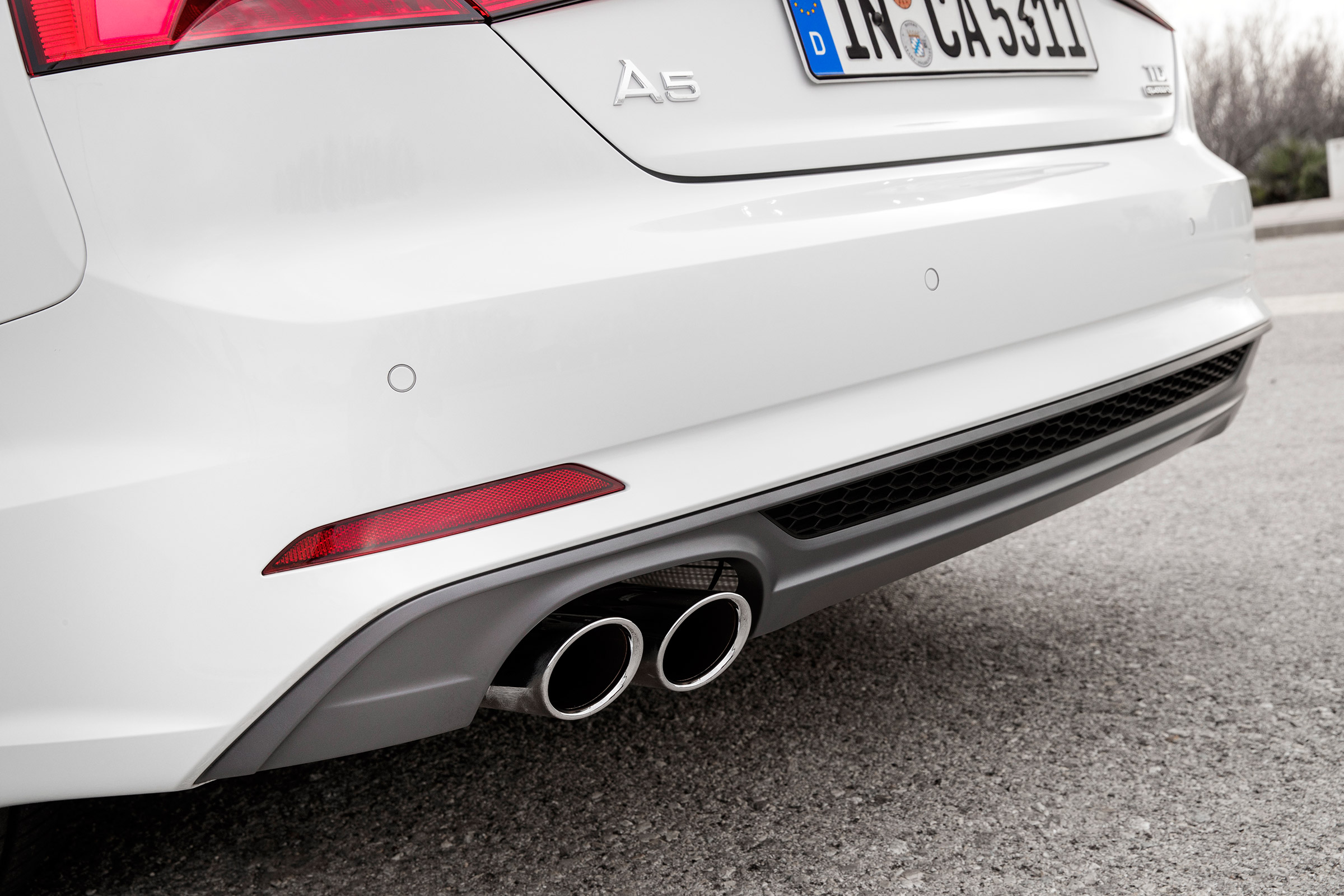 2017 Audi A5 Cabriolet Exterior View Rear Bumper And Muffler (Photo 3 of 18)