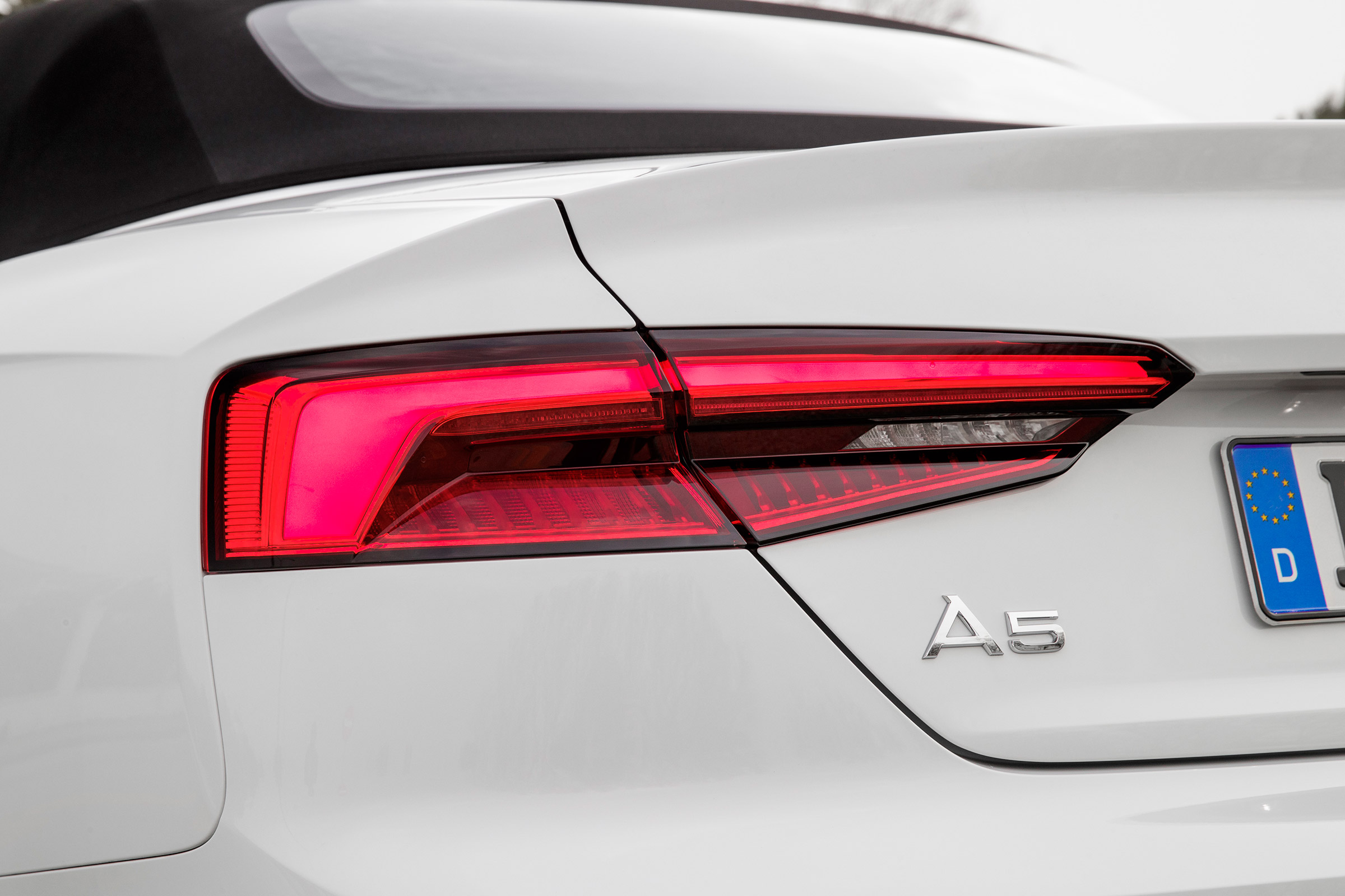 2017 Audi A5 Cabriolet Exterior View Taillight (Photo 5 of 18)