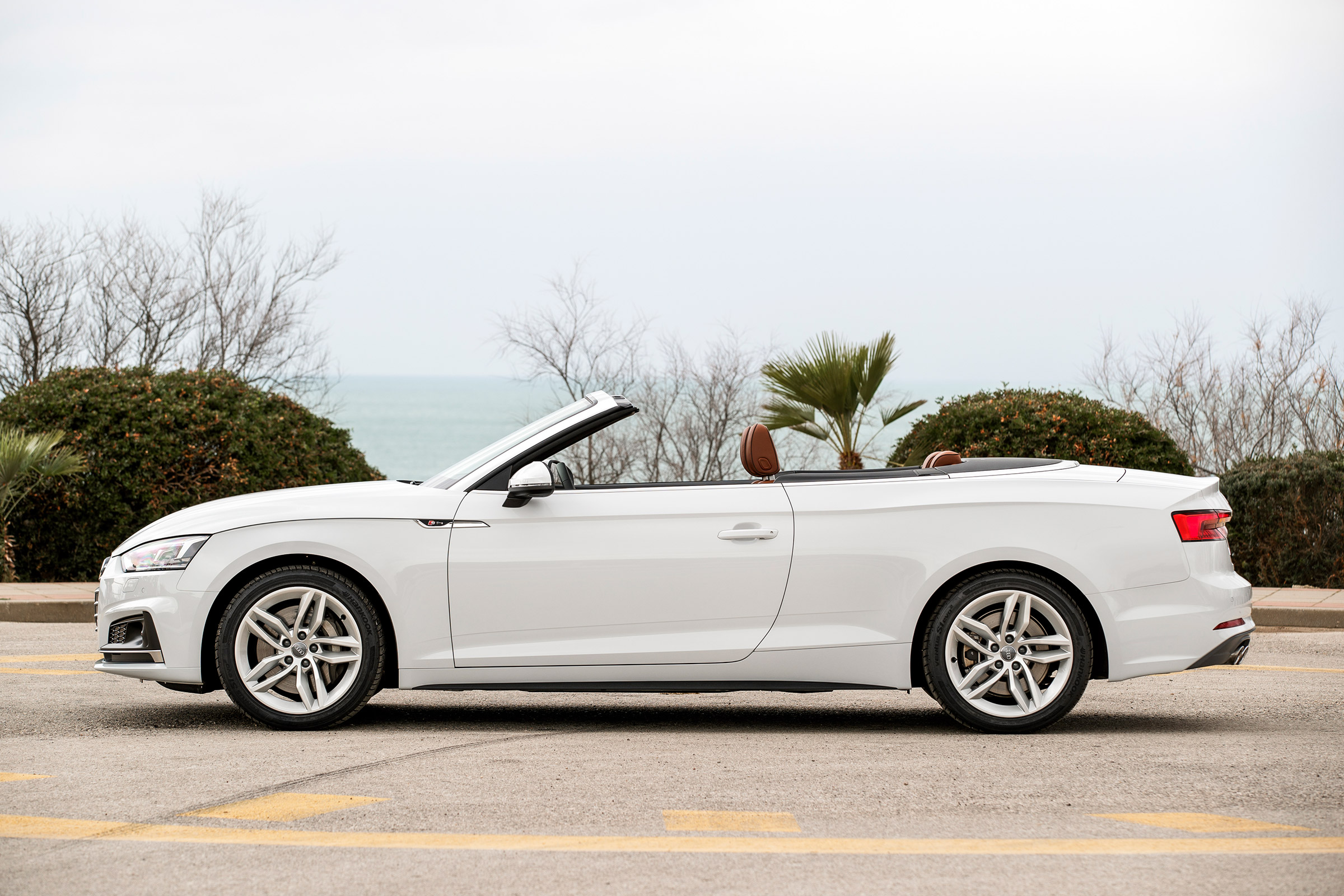 2017 Audi A5 Cabriolet Exterior White Side Roof Open (Photo 7 of 18)