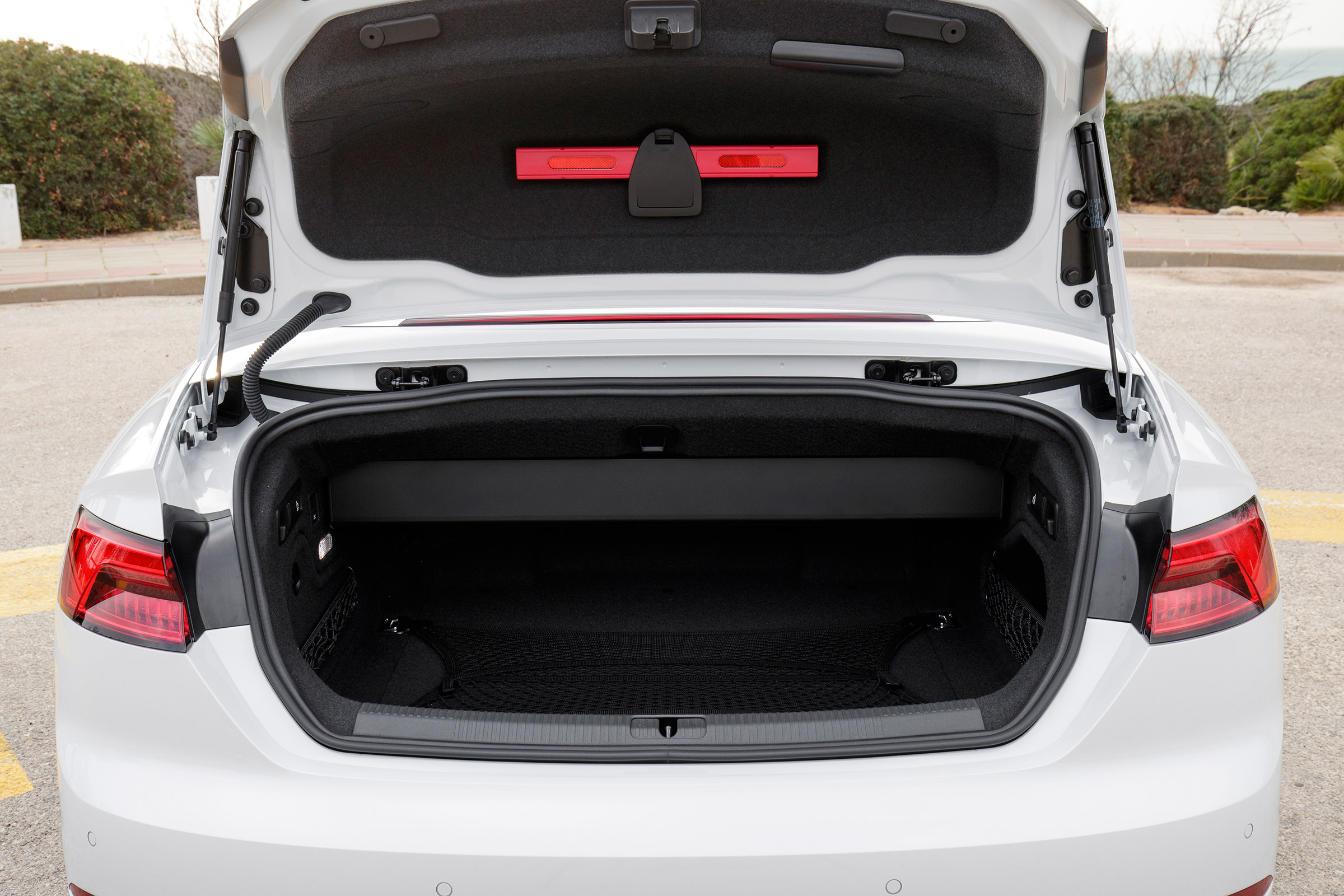 2017 Audi A5 Cabriolet Interior View Cargo Trunk (Photo 10 of 18)
